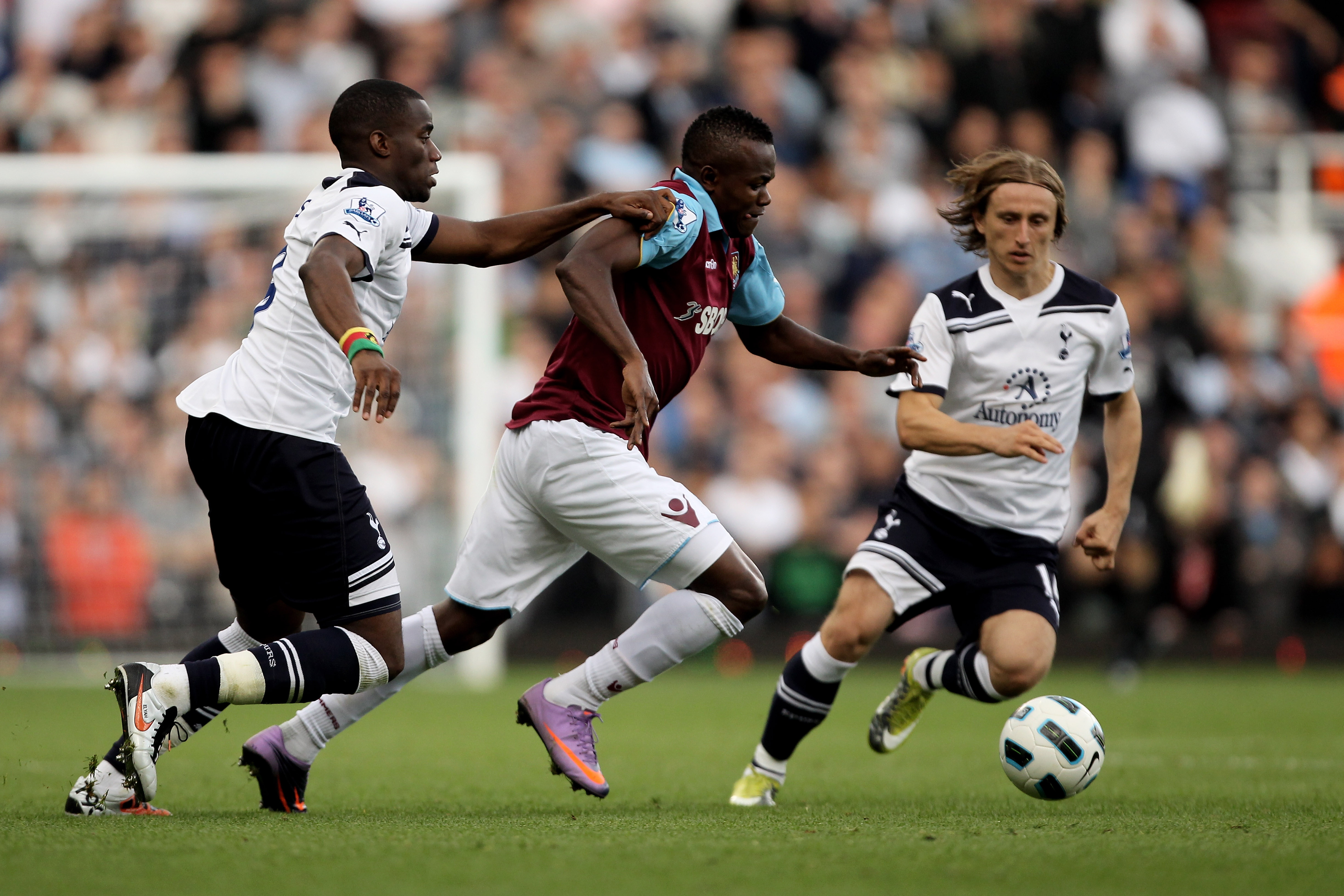 West Ham United Vs. Tottenham Hotspur: A Brief History of the London Rivalry  | Bleacher Report | Latest News, Videos and Highlights