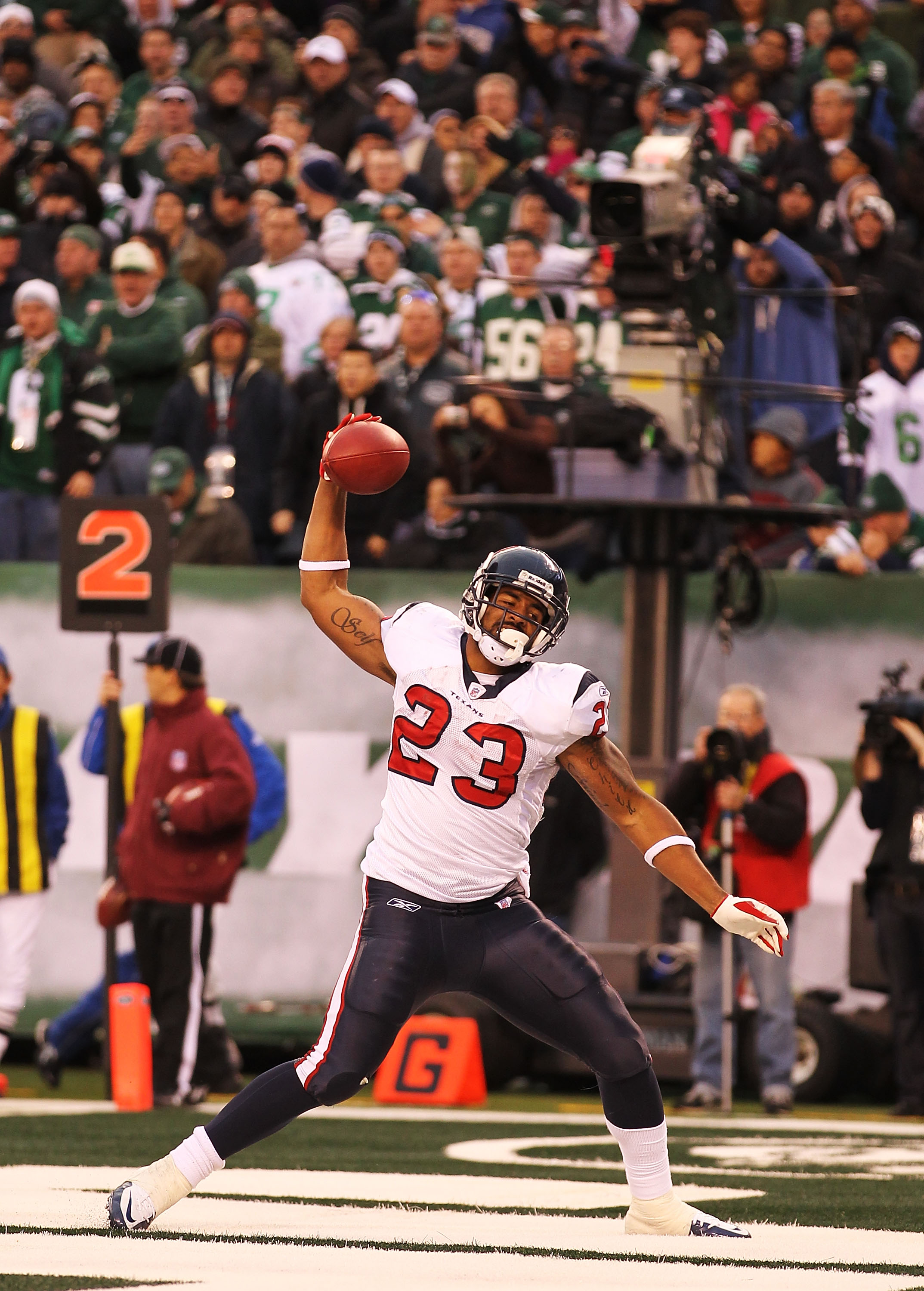 EAST RUTHERFORD, NJ - NOVEMBER 21:  Arian Foster #23 of the Houston Texans celebrates after scoring a touchdown against the New York Jets during their  game on November 21, 2010 at the New Meadowlands Stadium  in East Rutherford, New Jersey.  (Photo by Al