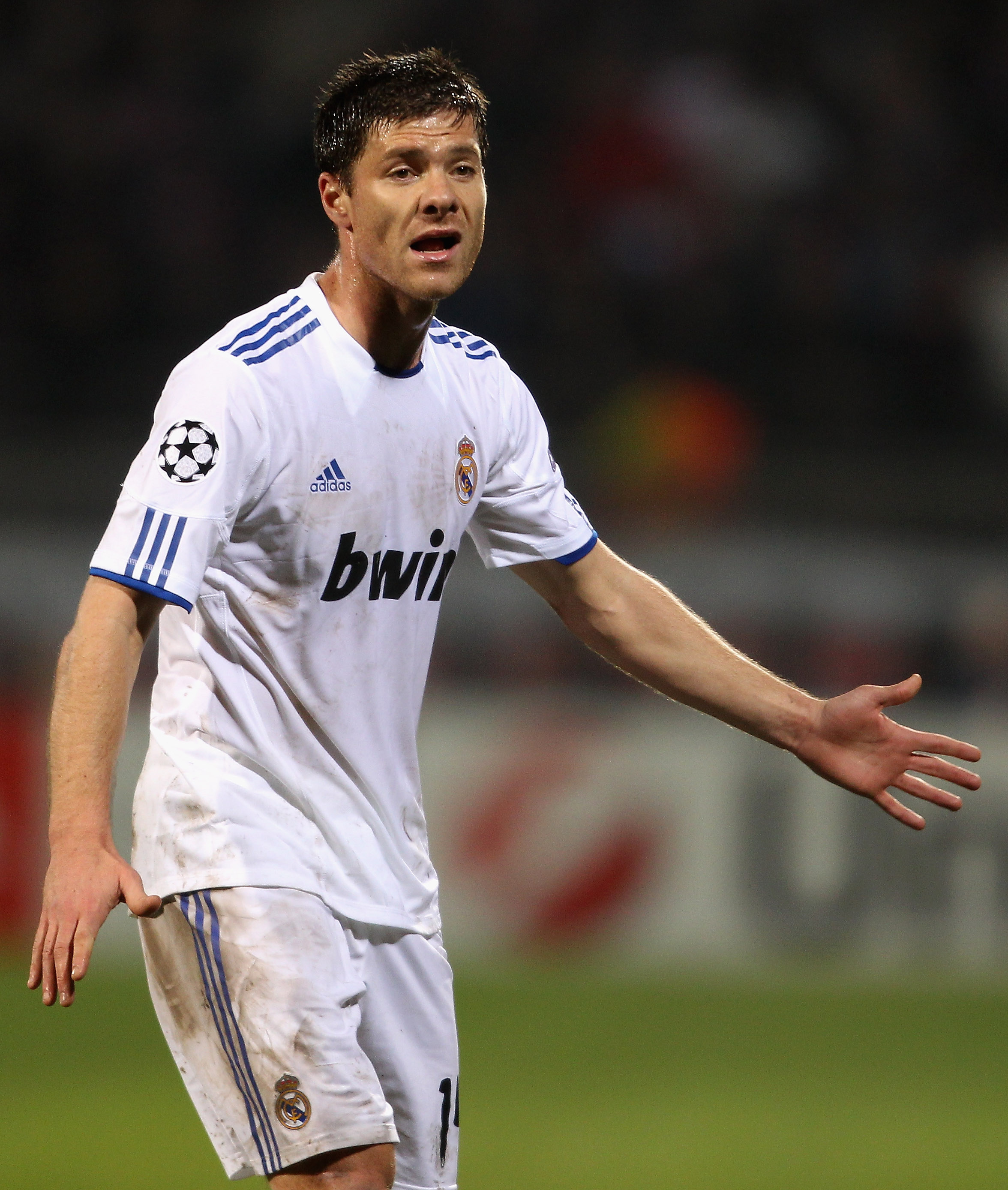LYON, FRANCE - FEBRUARY 22: Xabi Alonso of Real Madrid during the Champions League match between Lyon and Real Madrid at Stade Gerland on February 22, 2011 in Lyon, France.  (Photo by Scott Heavey/Getty Images)