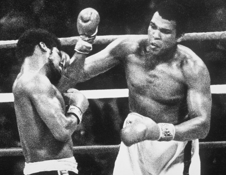 15 Sep 1978: Muhammad Ali wins his third World Heavyweight Title against Leon Spinks. Mandatory Credit: Allsport UK/Allsport