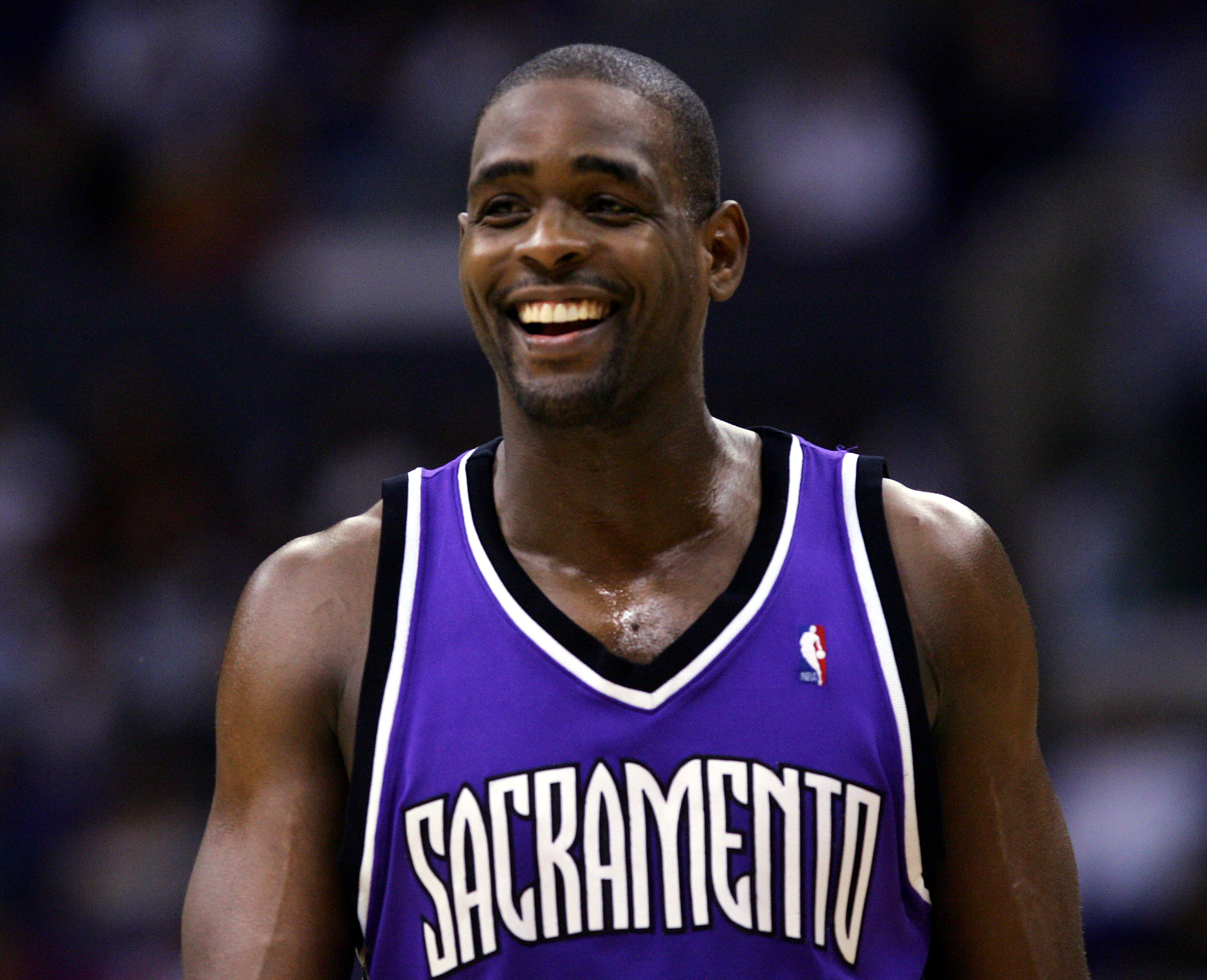 LOS ANGELES - JANUUARY 17:  Chris Webber #4 of the Sacramento Kings laughs on the court during the game against the Los Angeles Clippers on January 17, 2005 at Staples Center in Los Angeles, California.  The kings won 89-83.  NOTE TO USER: User expressly
