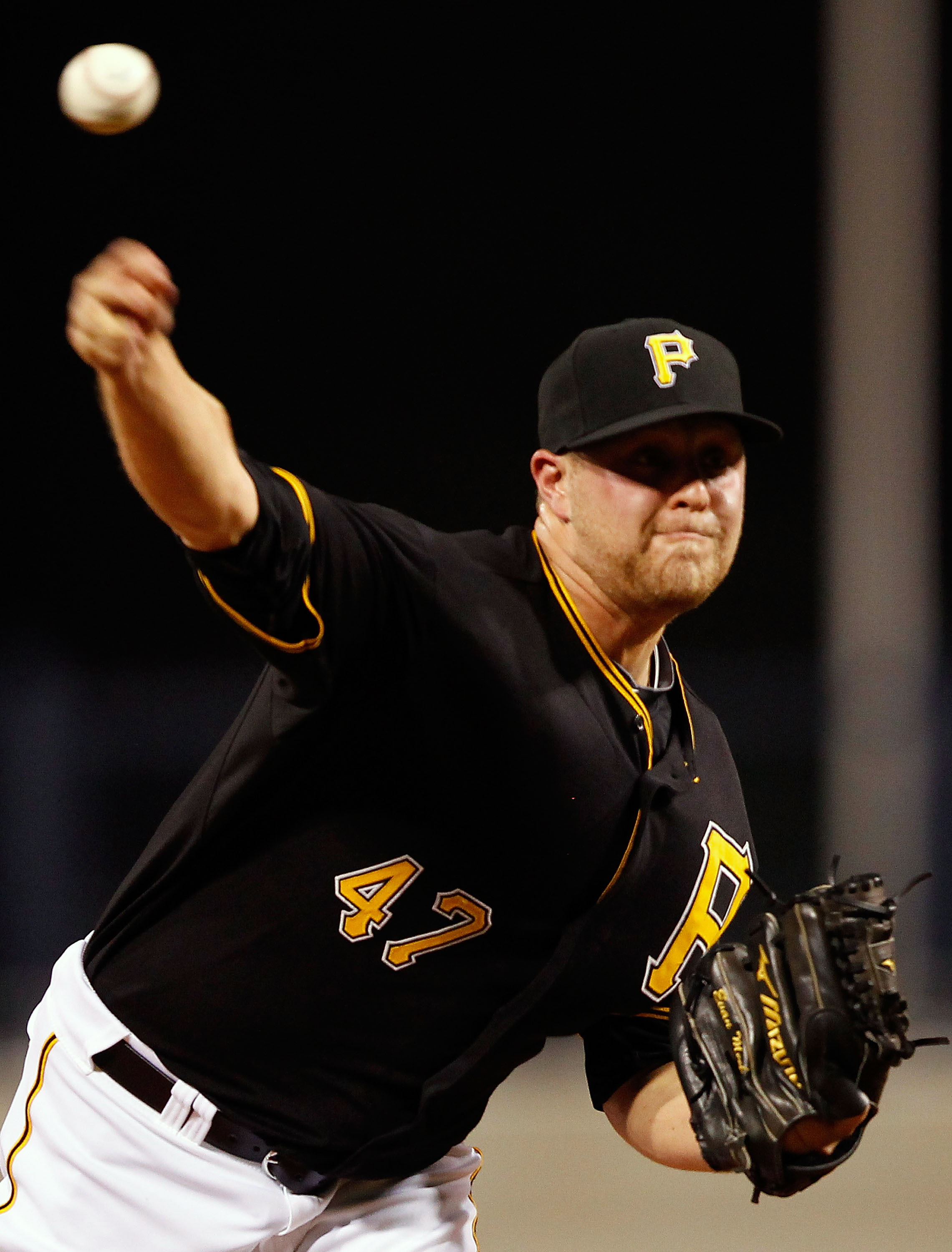 PITTSBURGH - SEPTEMBER 21:  Evan Meek #47 of the Pittsburgh Pirates pitches against the St Louis Cardinals during the game on September 21, 2010 at PNC Park in Pittsburgh, Pennsylvania.  (Photo by Jared Wickerham/Getty Images)