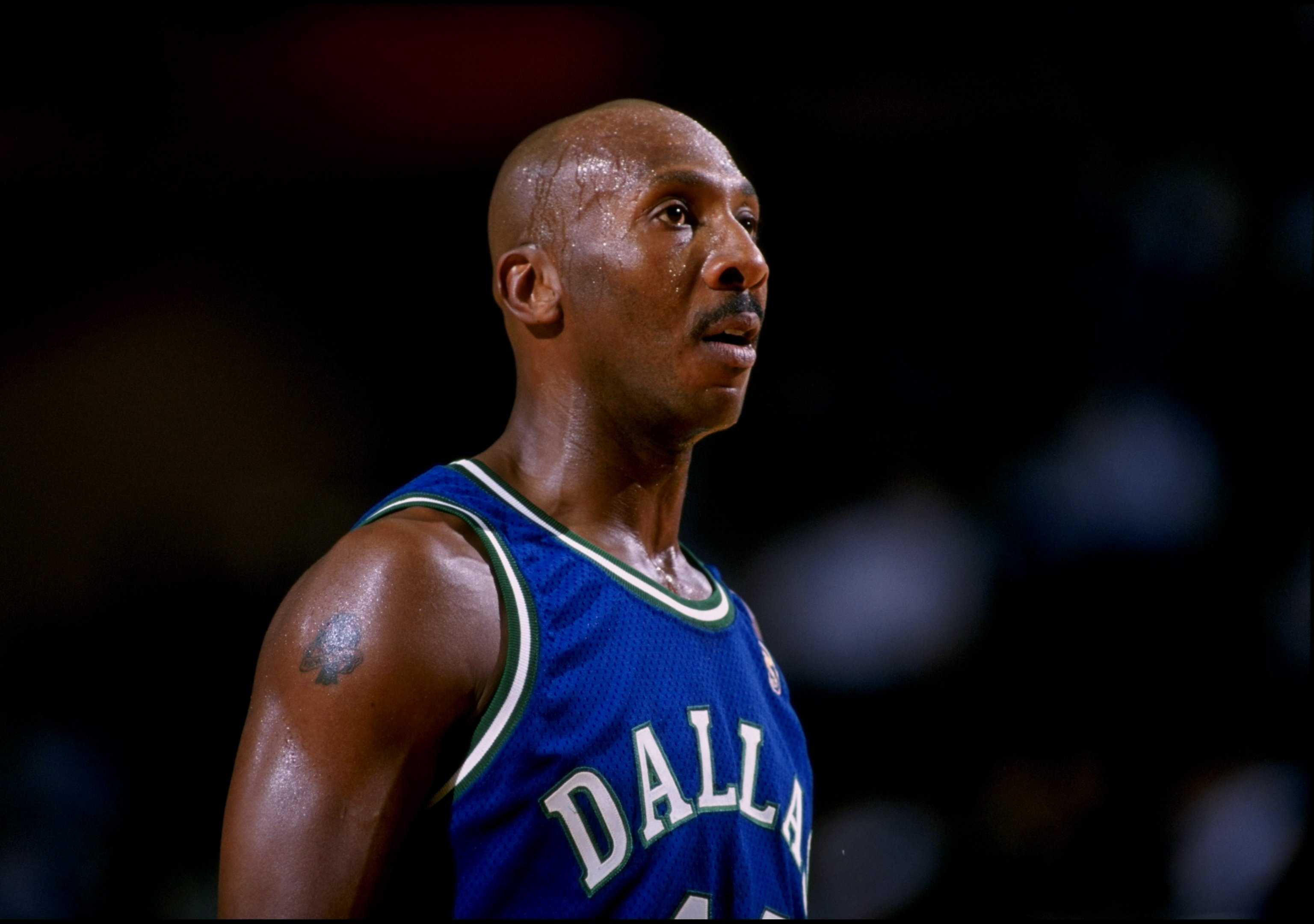 16 Oct 1996: Guard Derek Harper of the Dallas Mavericks in action against the Los Angeles Lakers during a game at the Selland Arena in Fresno, California. The Lakers defeated the Mavericks 90-80.