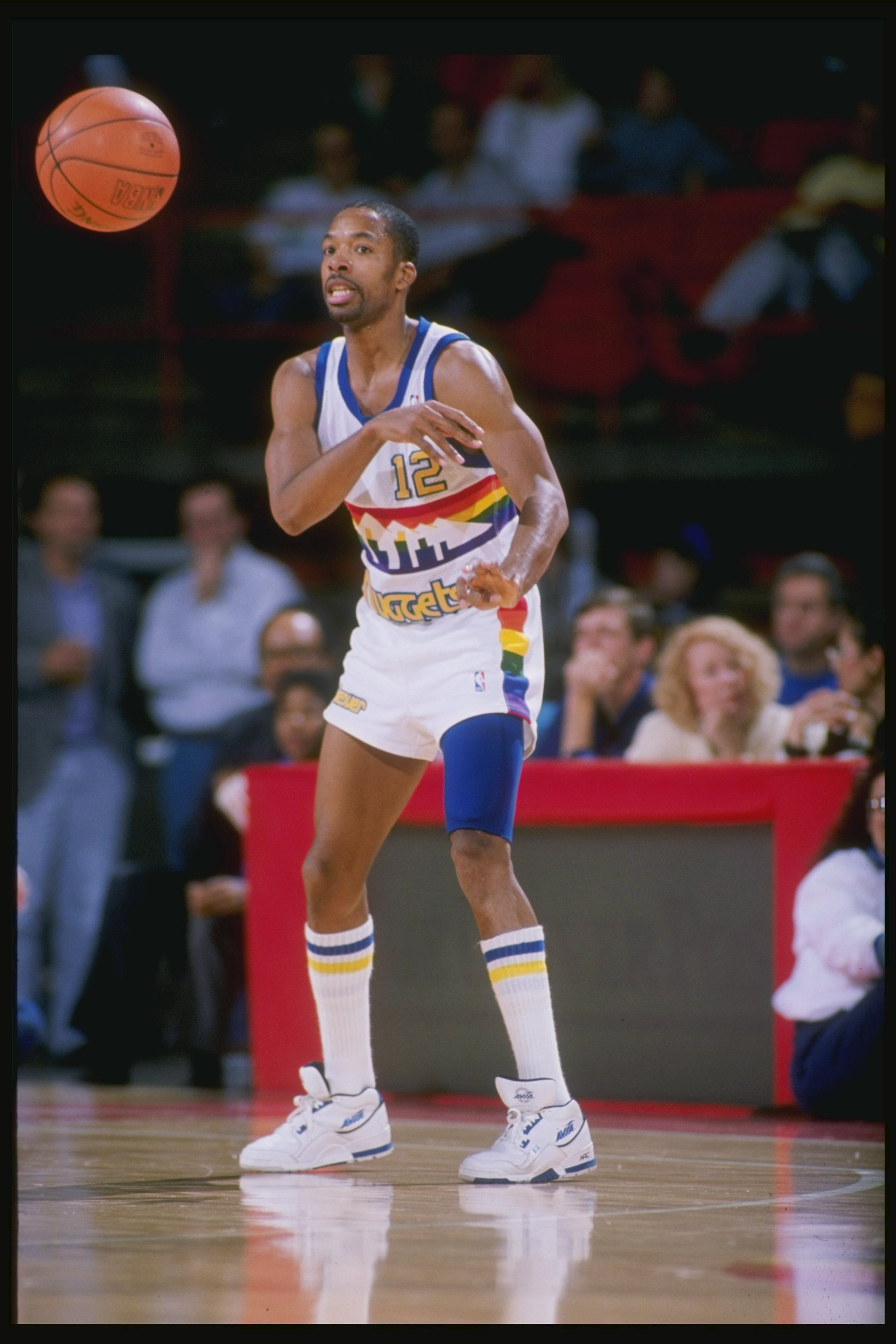 1989:  Fat Lever of the Denver Nuggets passes the ball during a game at the McNichols Sports Arena in Denver, Colorado. Mandatory Credit: Tim de Frisco  /Allsport