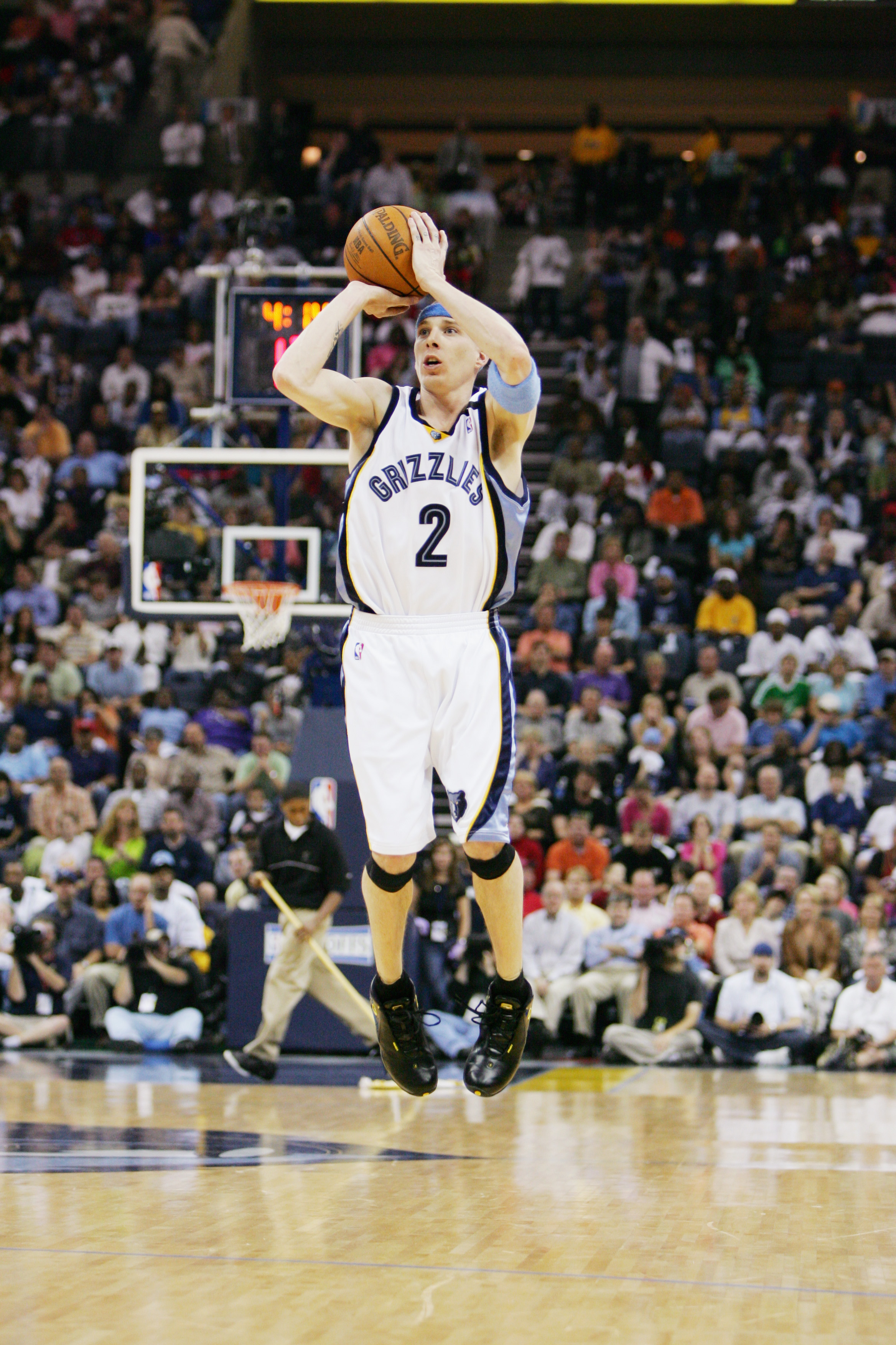 MEMPHIS, TN - MAY 1:  Jason Williams #2 of the Memphis Grizzlies shoots against the Phoenix Suns in Game four of the Western Conference Quarterfinals during the 2005 NBA Playoffs at the FedExForum on May 1, 2005 in Memphis, Tennessee. The Suns won 123-115