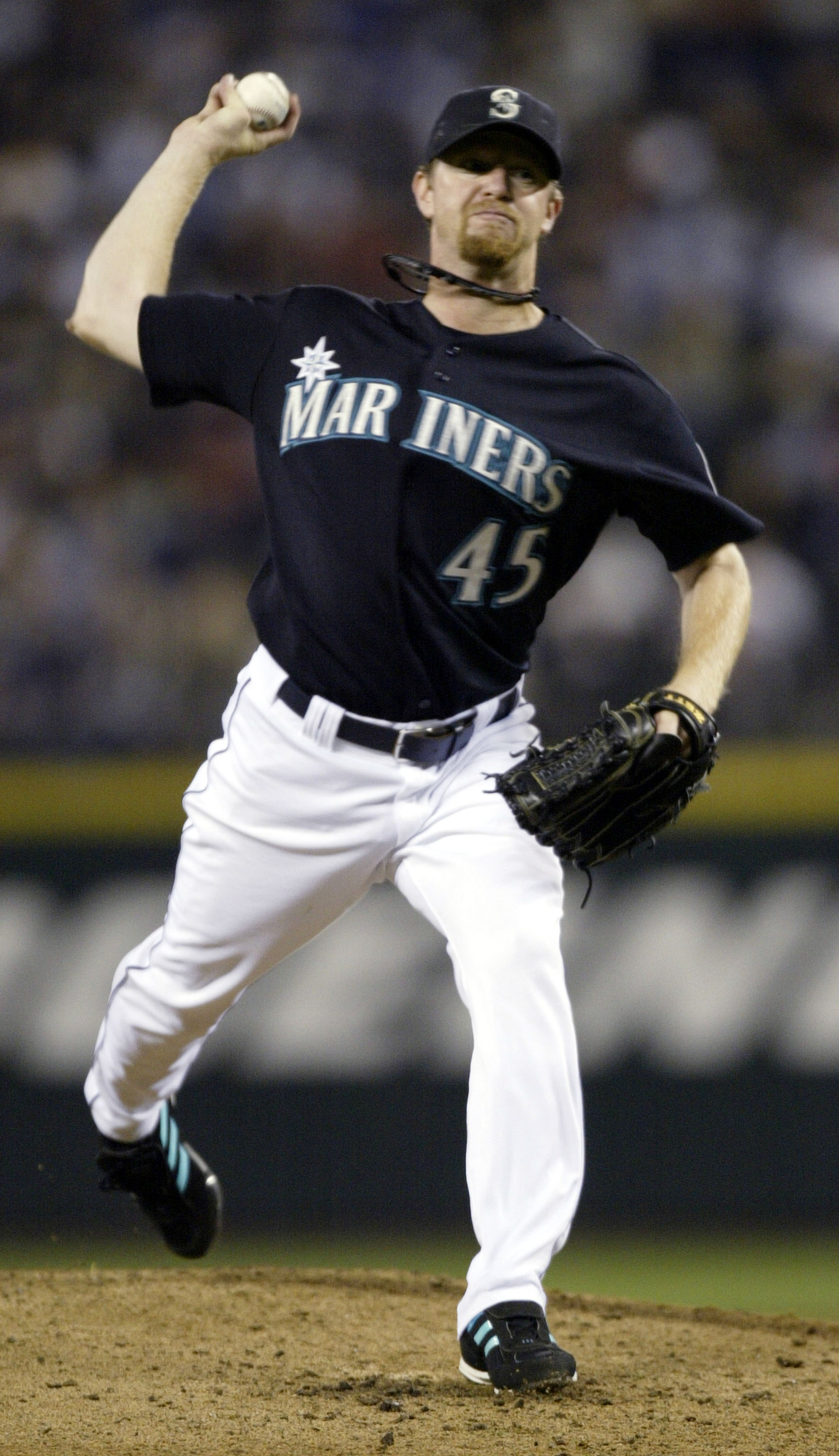 SEATTLE - AUGUST 29: Starting Pitcher Ryan Franklin #45 of the Seattle Mariners pitches against the New York Yankees on August 29, 2005 at Safeco Field in Seattle, Washington. (Photo by Otto Greule Jr/Getty Images)