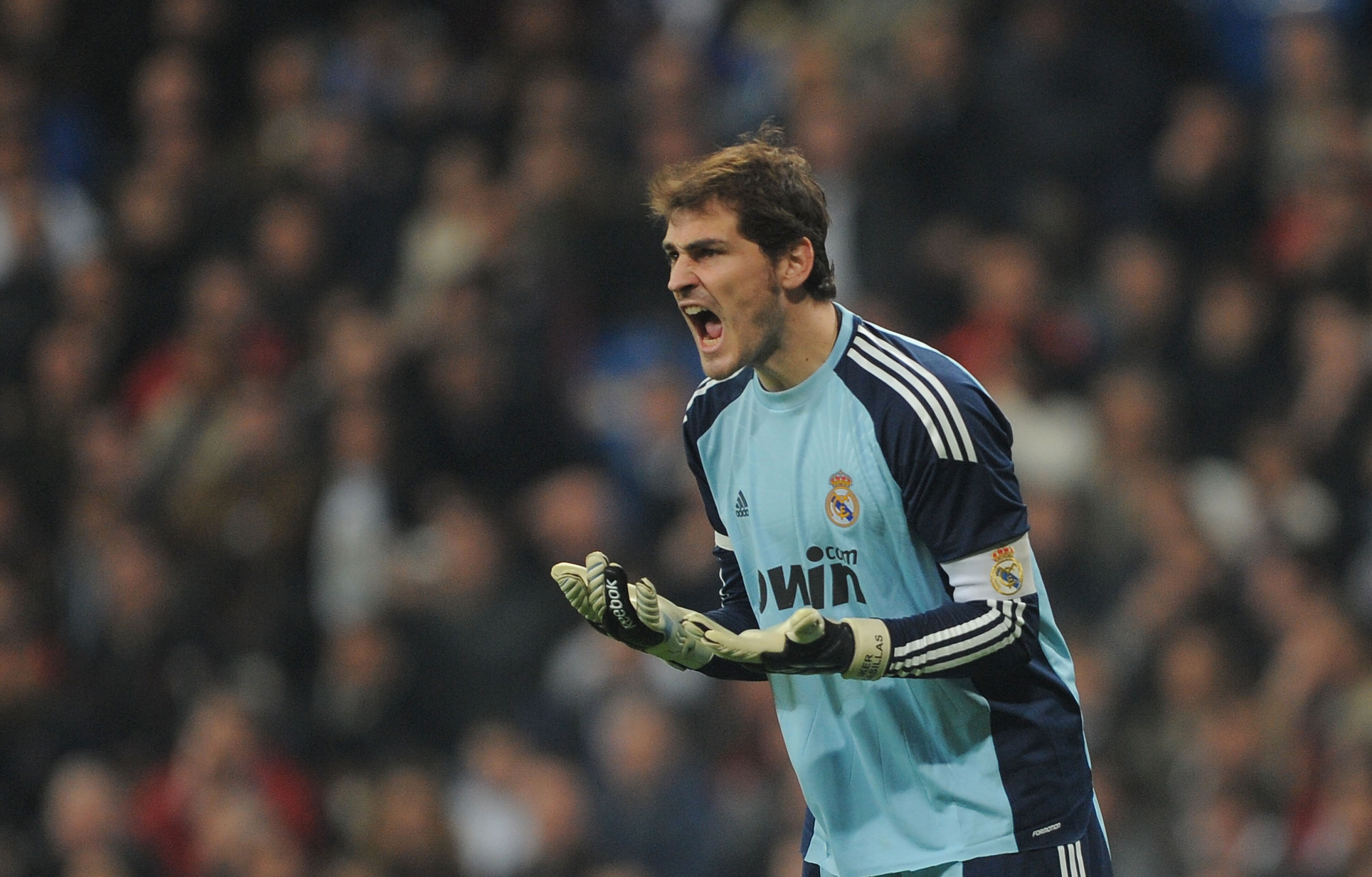 MADRID, SPAIN - JANUARY 13: Iker Casillas of Real Madrid reacts during the Copa del Rey quarter final first leg match between Real Madrid and Atletico Madrid at Estadio Santiago Bernabeu on January 13, 2011 in Madrid, Spain.  (Photo by Denis Doyle/Getty I