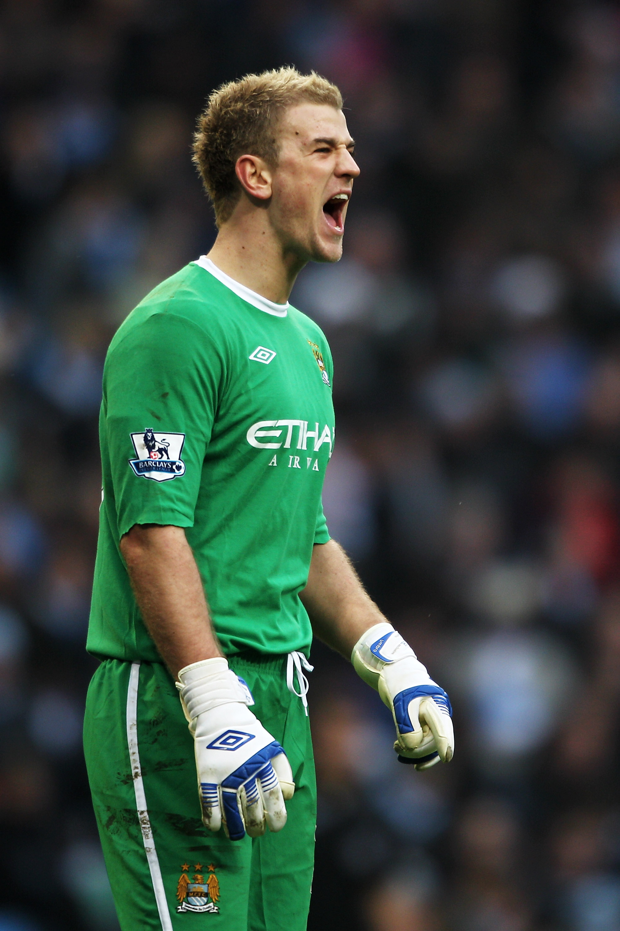 MANCHESTER, ENGLAND - FEBRUARY 20:  Joe Hart of Manchester City shouts instructions during the FA Cup sponsored by E.On 4th Round replay match between Manchester City and Notts County at City of Manchester Stadium on February 20, 2011 in Manchester, Engla