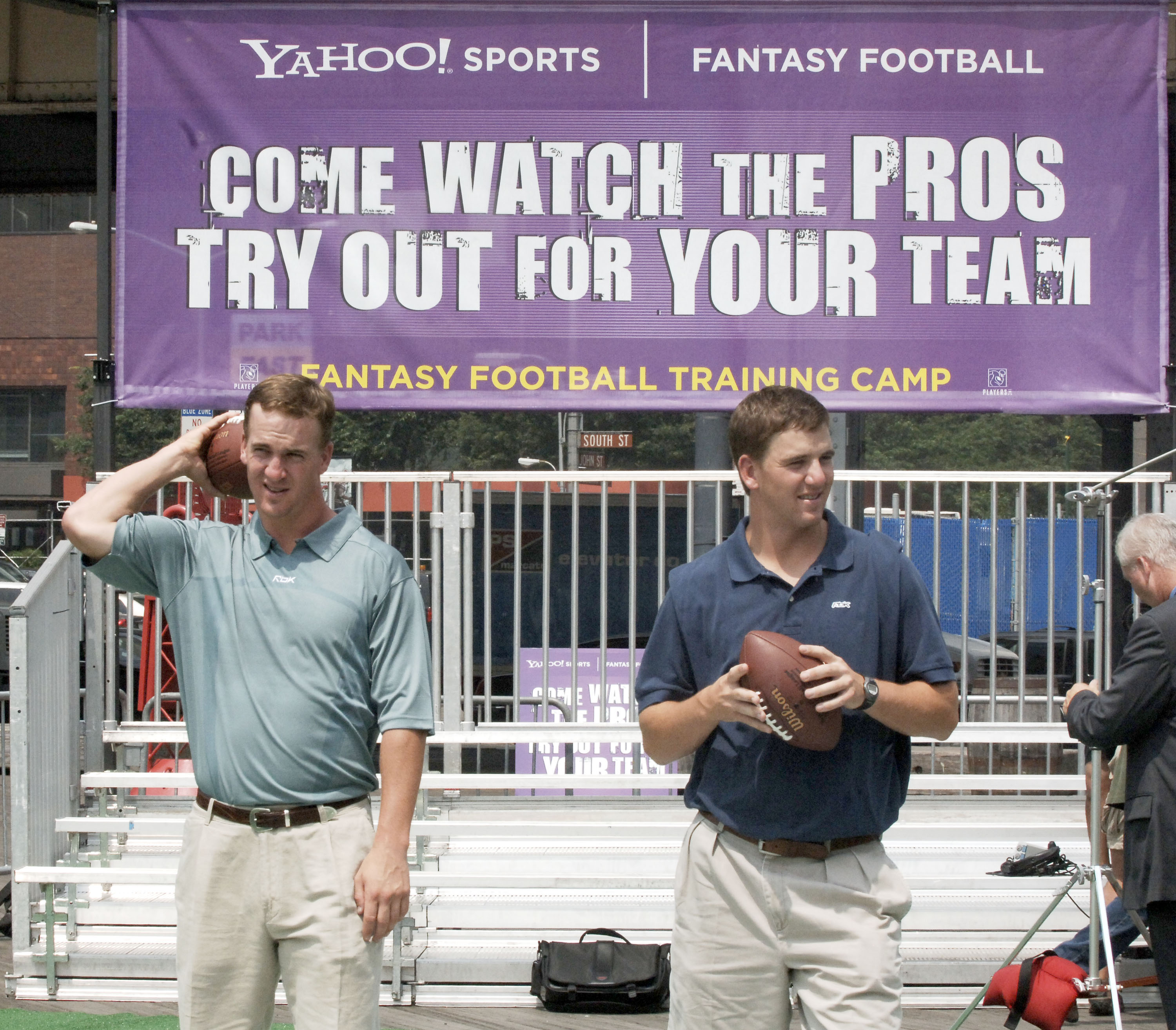 Peyton Manning and Eli Manning at the 2005 Fantasy Football Training Camp held at the South Street Seaport on July 18, 2005 in New York City (Photo by Jemal Countess/Getty Images)