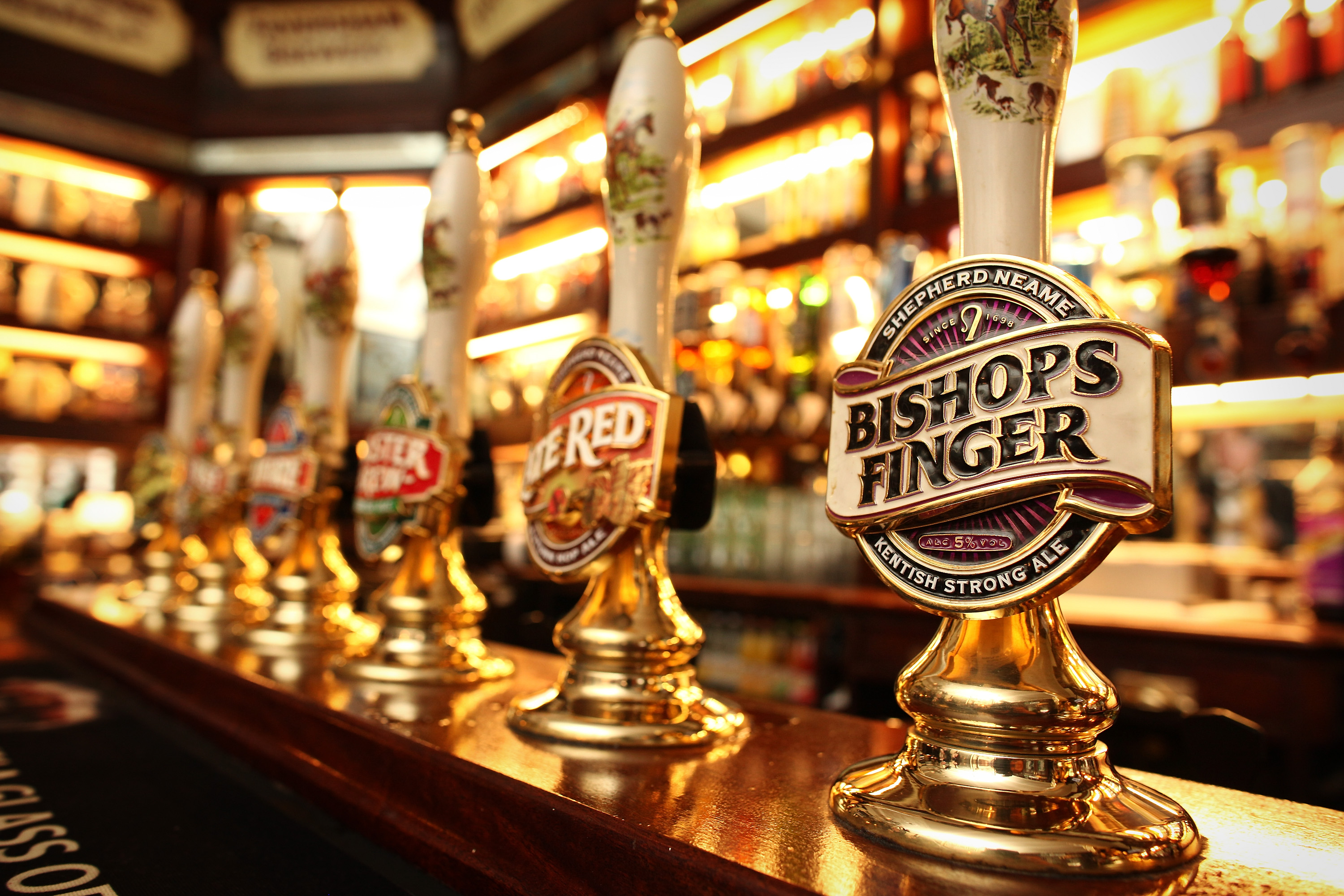 LONDON, ENGLAND - MARCH 11:  Beer pumps in a pub on March 11, 2011 in London, England.  (Photo by Peter Macdiarmid/Getty Images)