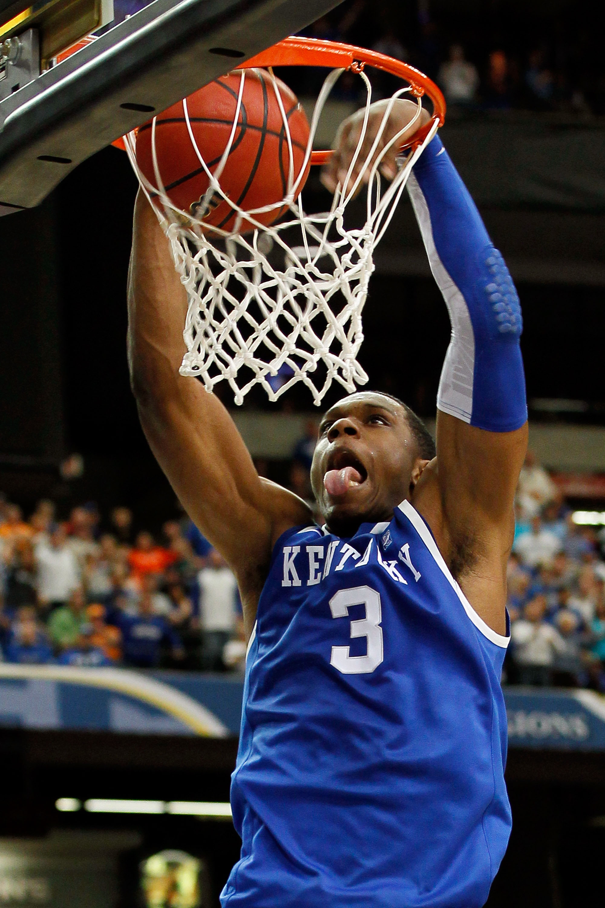 ATLANTA, GA - MARCH 12:  Terrence Jones #3 of the Kentucky Wildcats dunks against the Alabama Crimson Tide during the semifinals of the SEC Men's Basketball Tournament at Georgia Dome on March 12, 2011 in Atlanta, Georgia.  (Photo by Kevin C. Cox/Getty Im
