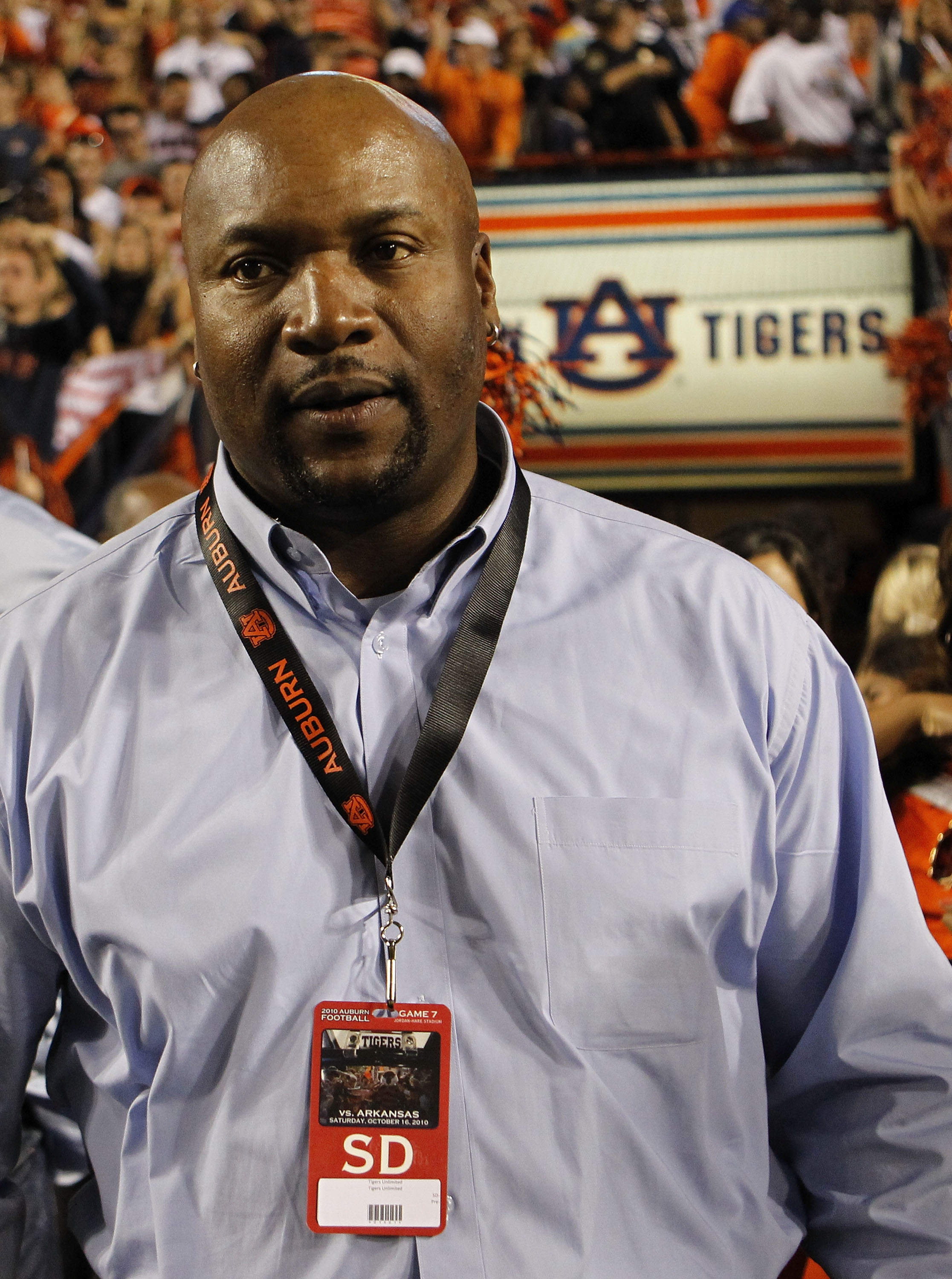 AUBURN - OCTOBER 16:  Former Auburn Tigers football player Bo Jackson watches the action on the sideline during the game between the Auburn Tigers and the Arkansas Razorbacks Auburn Tigers at Jordan-Hare Stadium on October 16, 2010 in Auburn, Alabama.  Th