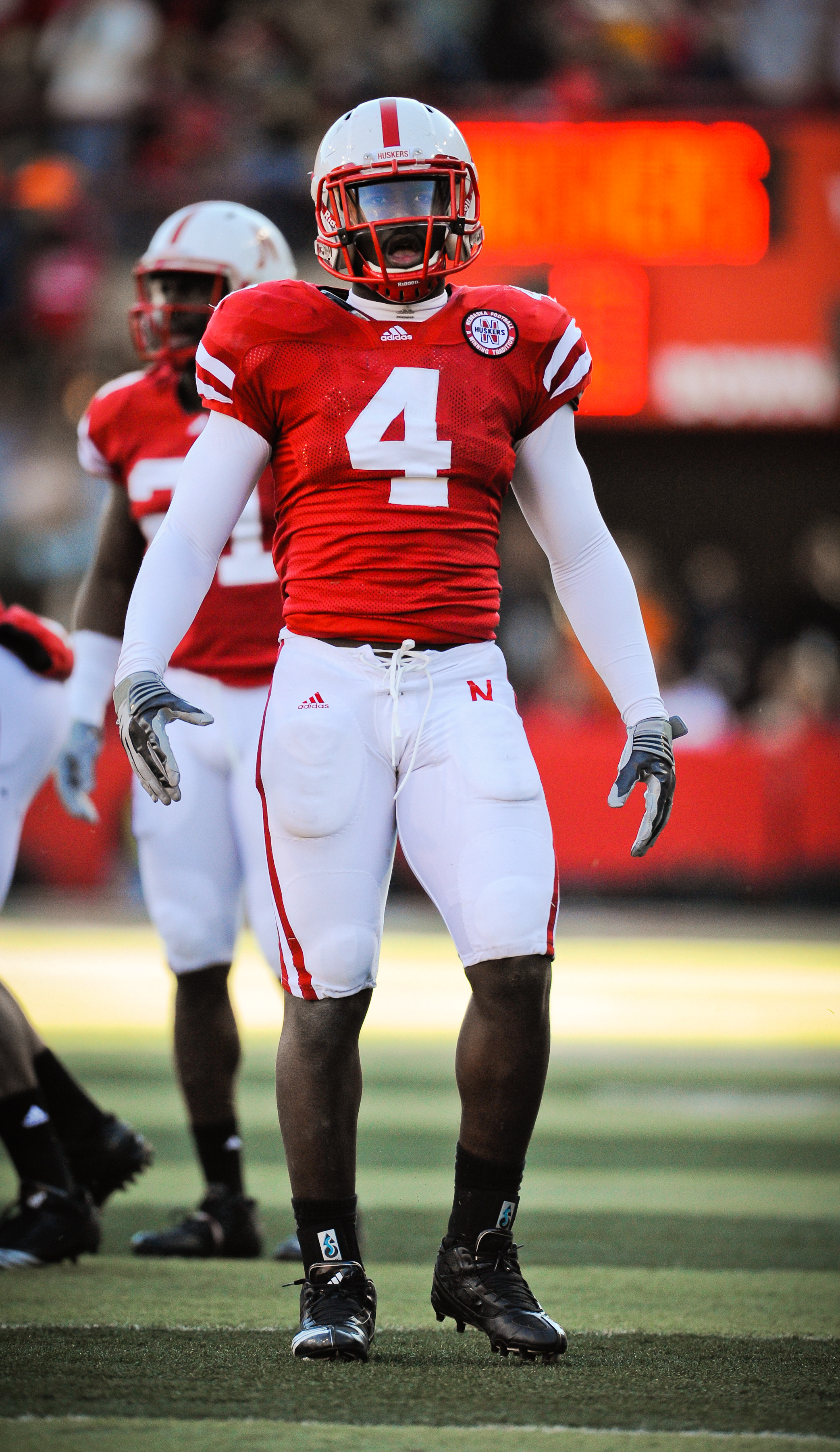 LINCOLN, NE - NOVEMBER 26: Lavonte David #4 of the Nebraska Cornhuskers during their game at Memorial Stadium on November 26, 2010 in Lincoln, Nebraska. Nebraska defeated Colorado 45-17 (Photo by Eric Francis/Getty Images)