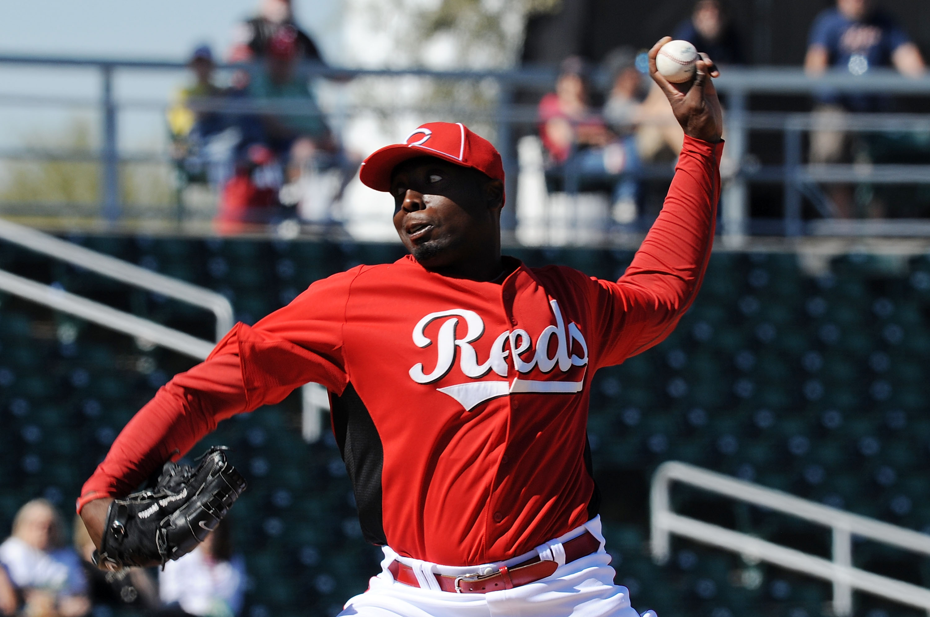 GOODYEAR, AZ - FEBRUARY 28:  Dontrelle Willis #50 of the Cincinnati Reds delivers a pitch against the Cleveland Indians at Goodyear Ballpark on February 28, 2011 in Goodyear, Arizona.  (Photo by Norm Hall/Getty Images)
