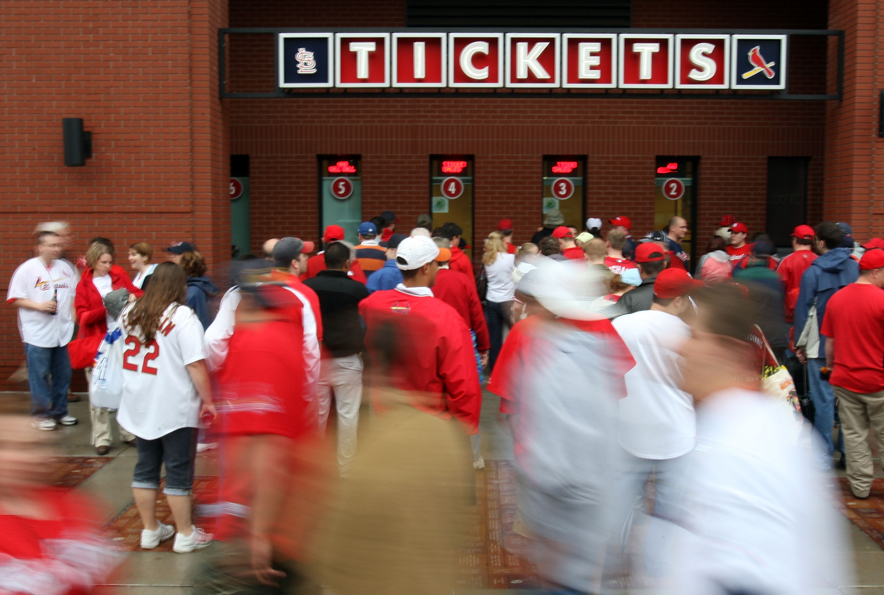 ST. LOUIS - MARCH 31:  Fans line up for tickets before the St. Louis Cardinals take on the Colorado Rockies on opening day at Busch Stadium March 31, 2008 in St. Louis, Missouri.  (Photo by Elsa/Getty Images)