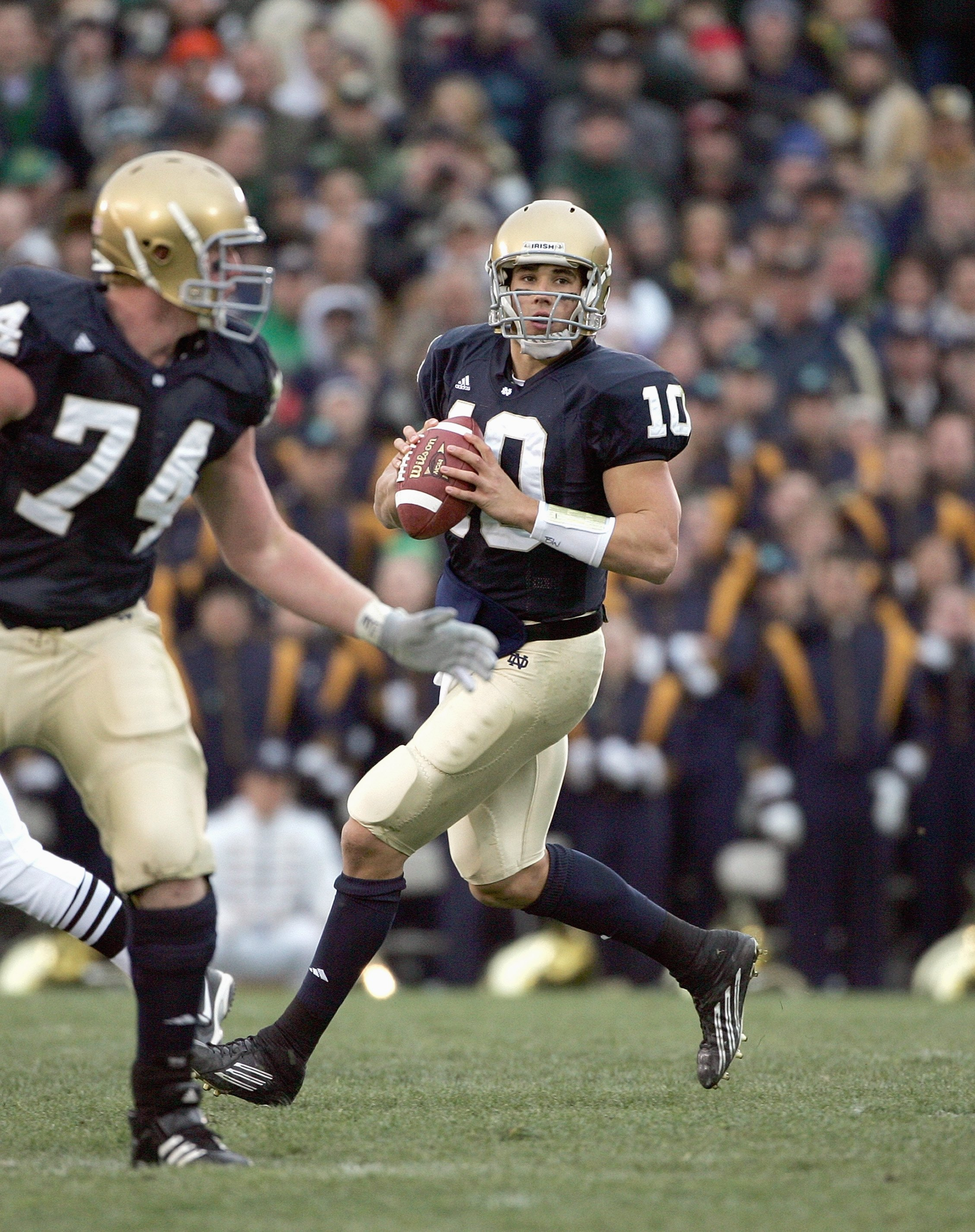 SOUTH BEND, IN - NOVEMBER 4:  Quarterback Brady Quinn #10 of the Notre Dame Fighting Irish looks to pass during the game against the North Carolina Tar Heels on November 4, 2006 at Notre Dame Stadium in South Bend, Indiana. (Photo by Jonathan Daniel/Getty