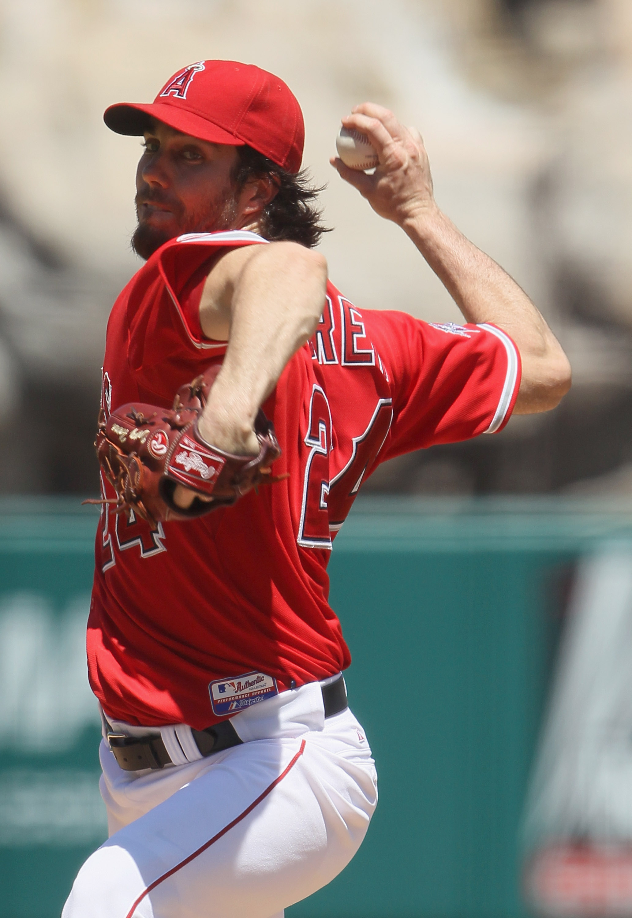 ANAHEIM, CA - AUGUST 15:  Dan Haren #24 of the Los Angeles Angels of Anaheim pitches against the Toronto Blue Jays at Angel Stadium on August 15, 2010 in Anaheim, California. The Blue Jays defeated the Angels 4-1.  (Photo by Jeff Gross/Getty Images)