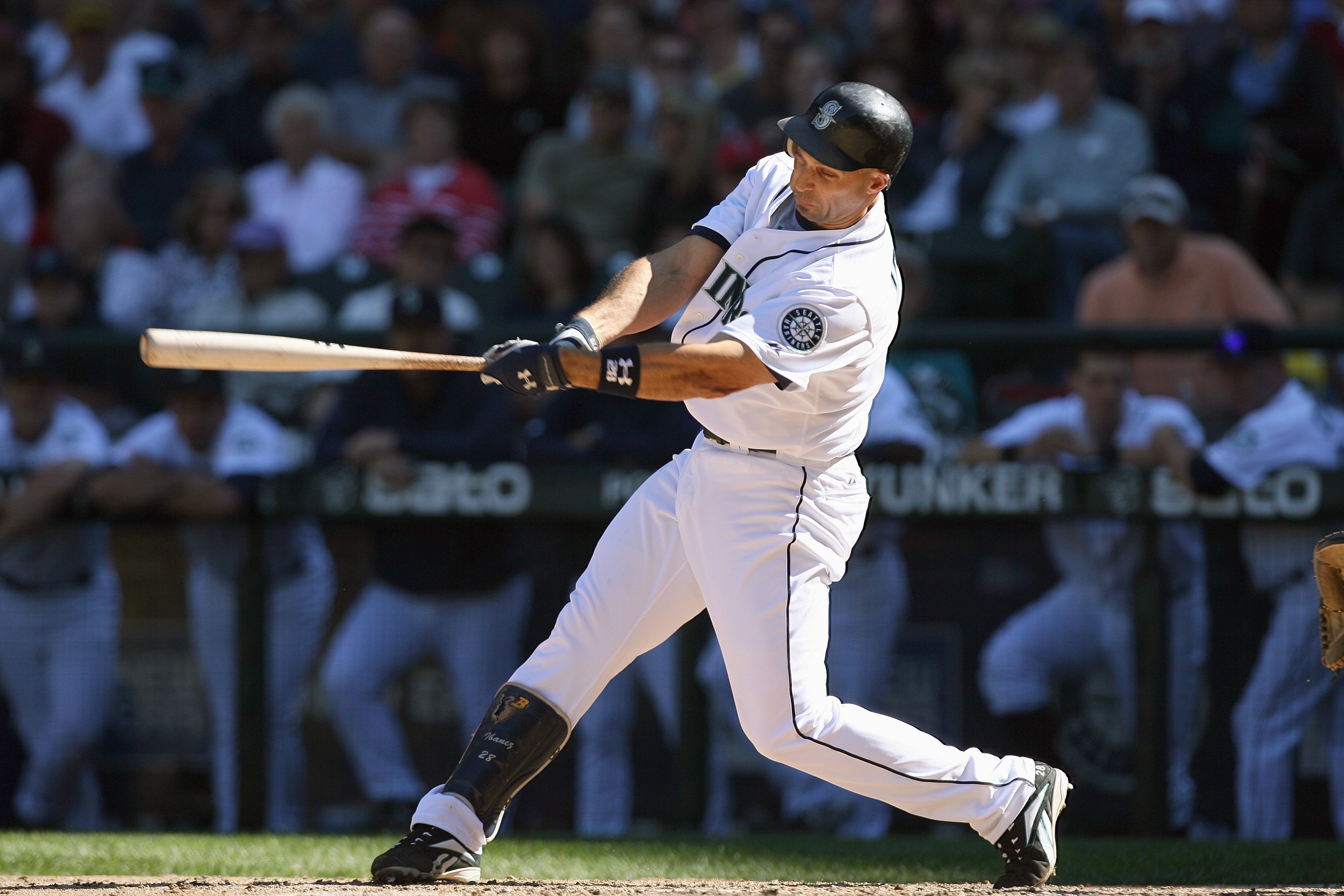 SEATTLE - SEPTEMBER 07:  Raul Ibanez #28 of the Seattle Mariners bats during the game against the New York Yankees on September 7, 2008 at Safeco Field in Seattle Washington. (Photo by Otto Greule Jr/Getty Images)