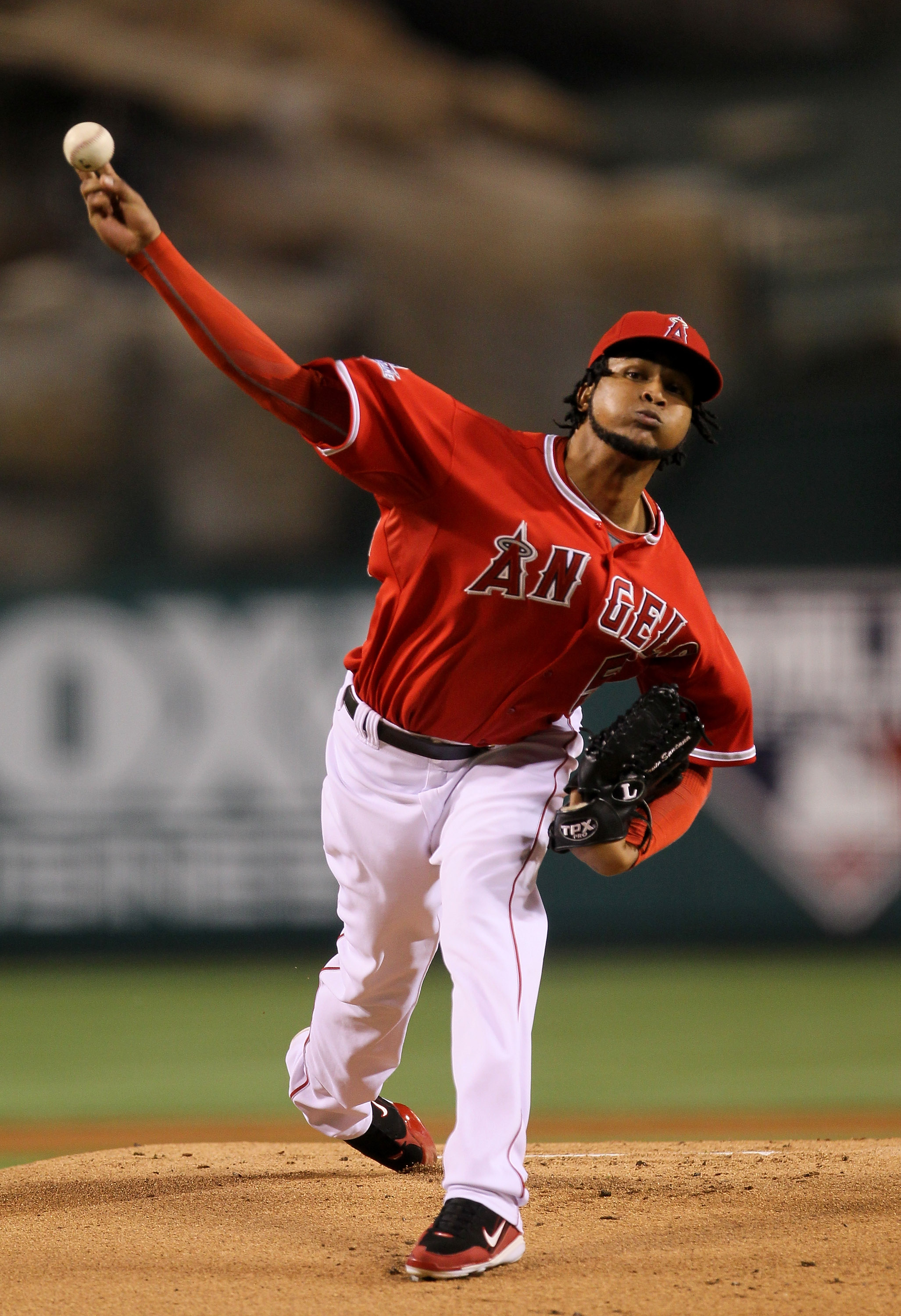 ANAHEIM, CA - SEPTEMBER 21:  Ervin Santana #54 of the Los Angeles Angels of Anaheim throws a pitch against the Texas Rangers on September 21, 2010 at Angel Stadium in Anaheim, California.  (Photo by Stephen Dunn/Getty Images)