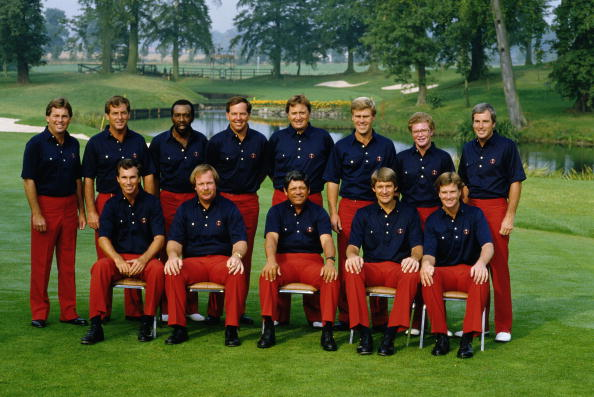 Lee Trevino, Captain of the United States team with team members Lanny Wadkins, Craig Stadler, Raymond Floyd,Tom Kite, Peter Jacobsen, Hal Sutton, Andy North,Mark O'Meara, Calvin Peete, Hubert Green, Fuzzy Zoeller and Curtis Strange during the 26th Ryder