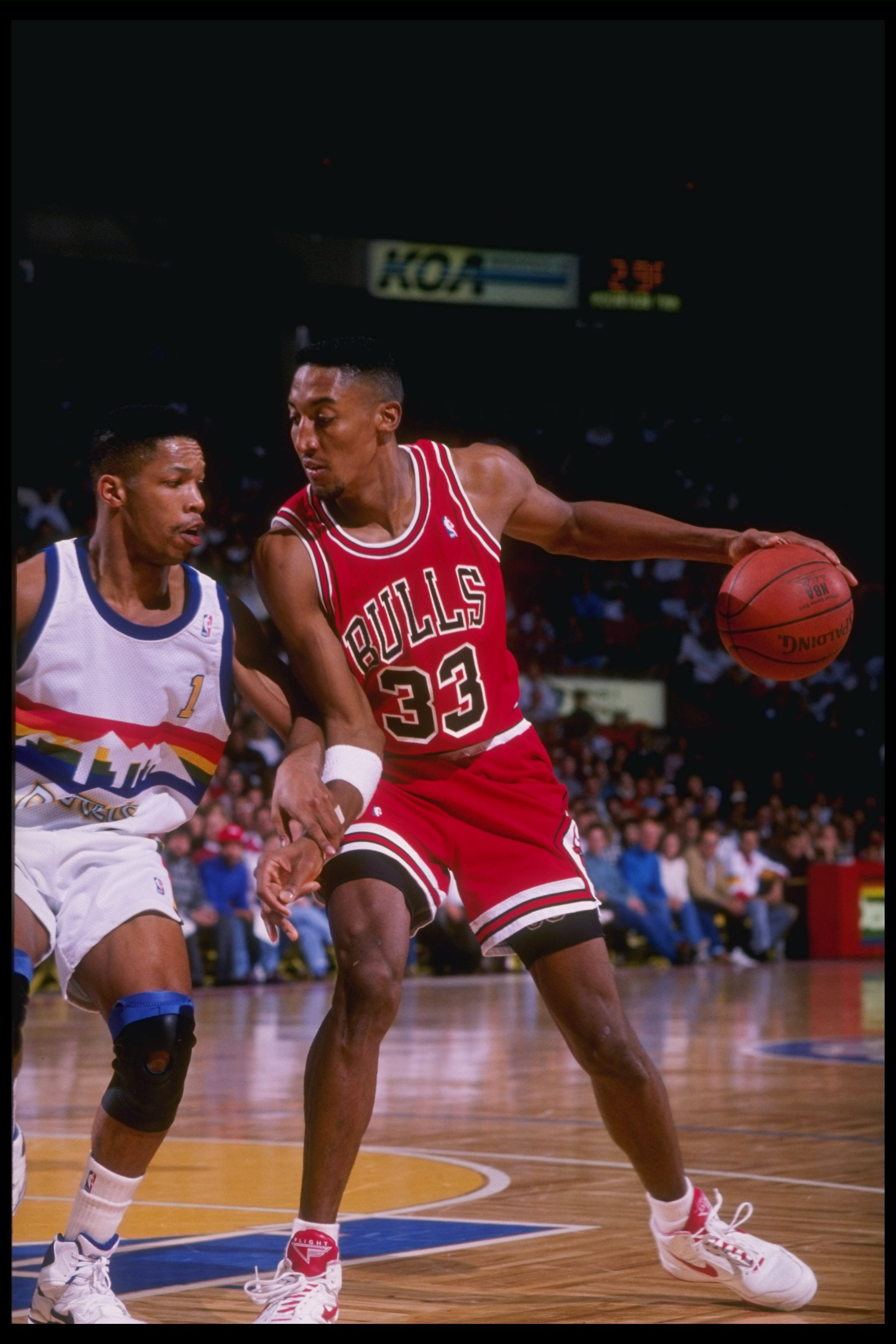 23 Nov 1991: Forward Scottie Pippen of the Chicago Bulls in action during a game against the Denver Nuggets at the McNichols Sports Arena in Denver, Colorado.