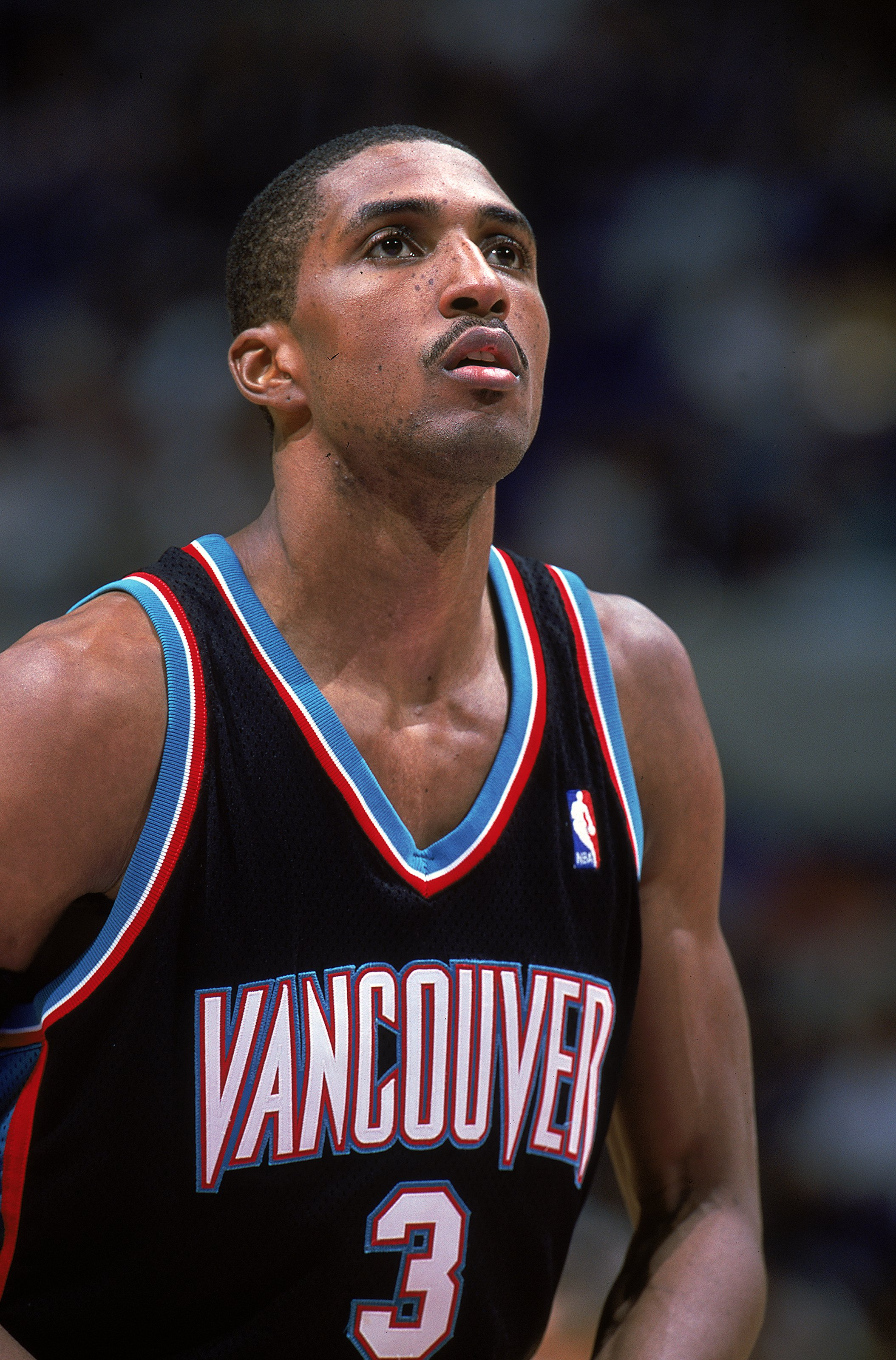 3 Nov 1999: Shareef Abdur Rahim #3 of the Vancouver Grizzlies looks to make a free throw during a game against the Los Angeles Lakers at the Staples Center in Los Angeles, California. The Lakers defeated the Grizzlies 103-88.