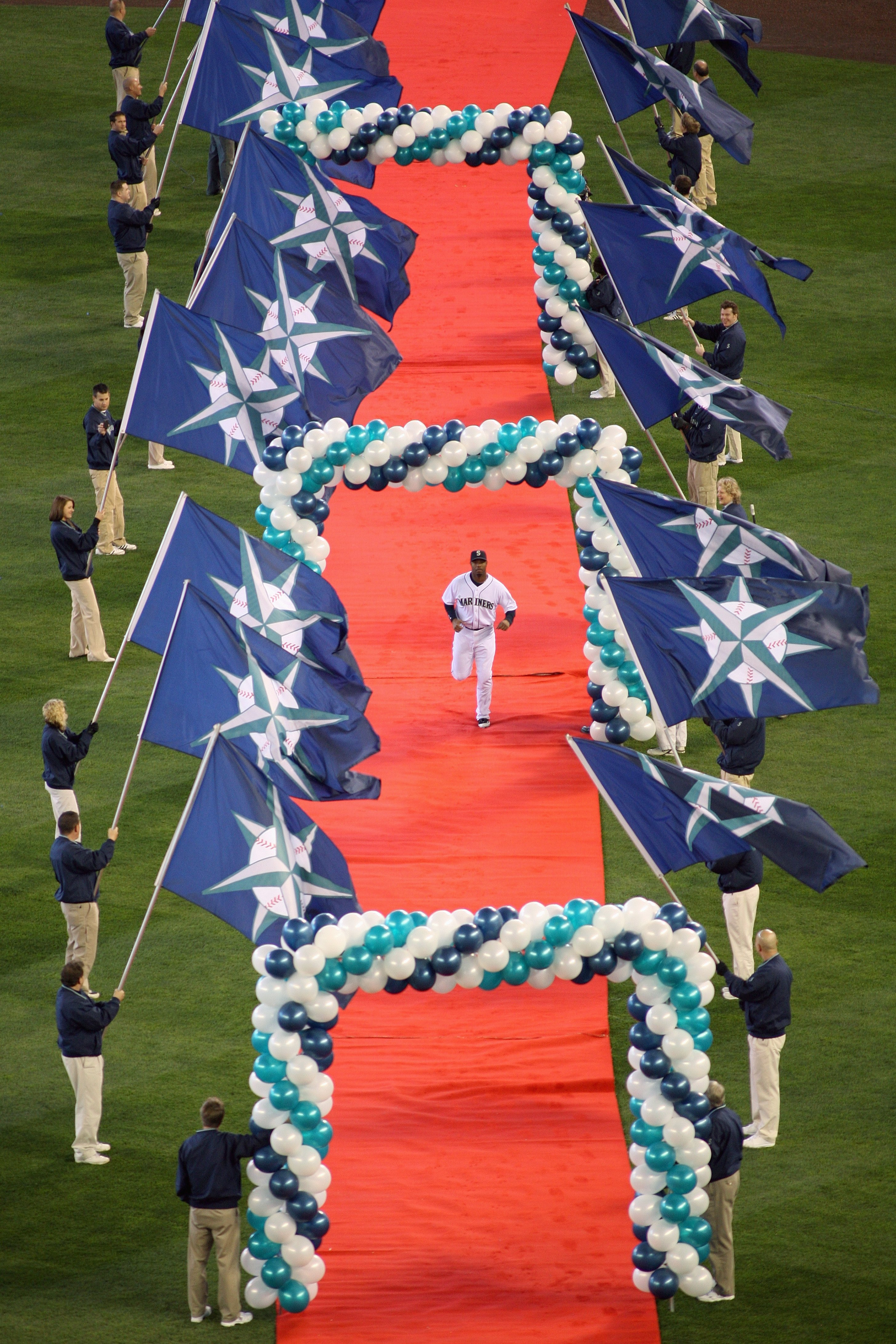 SEATTLE - APRIL 14:  Ken Griffey Jr #24 of the Seattle Mariners is introduced before the Opening Day game against the Los Angeles Angels of Anaheim on April 14, 2009 at Safeco Field in Seattle, Washington. (Photo by: Otto Greule Jr/Getty Images)