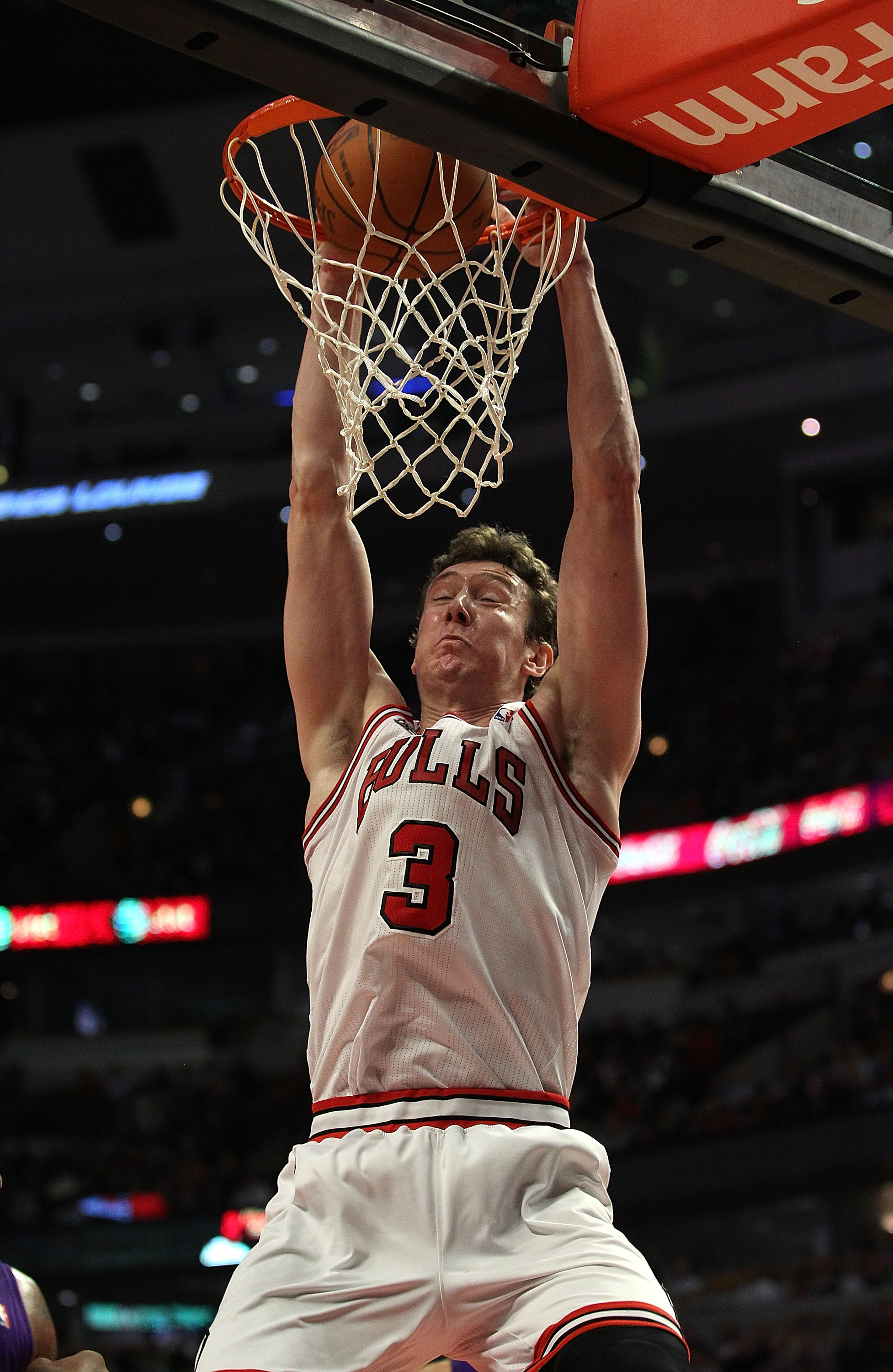 CHICAGO, IL - MARCH 21: Omer Asik #3 of the Chicago Bulls goes up for a dunk against the Sacramento Kings at the United Center on March 21, 2011 in Chicago, Illinois. The Bulls defeated the Kings 132-92. NOTE TO USER: User expressly acknowledges and agree