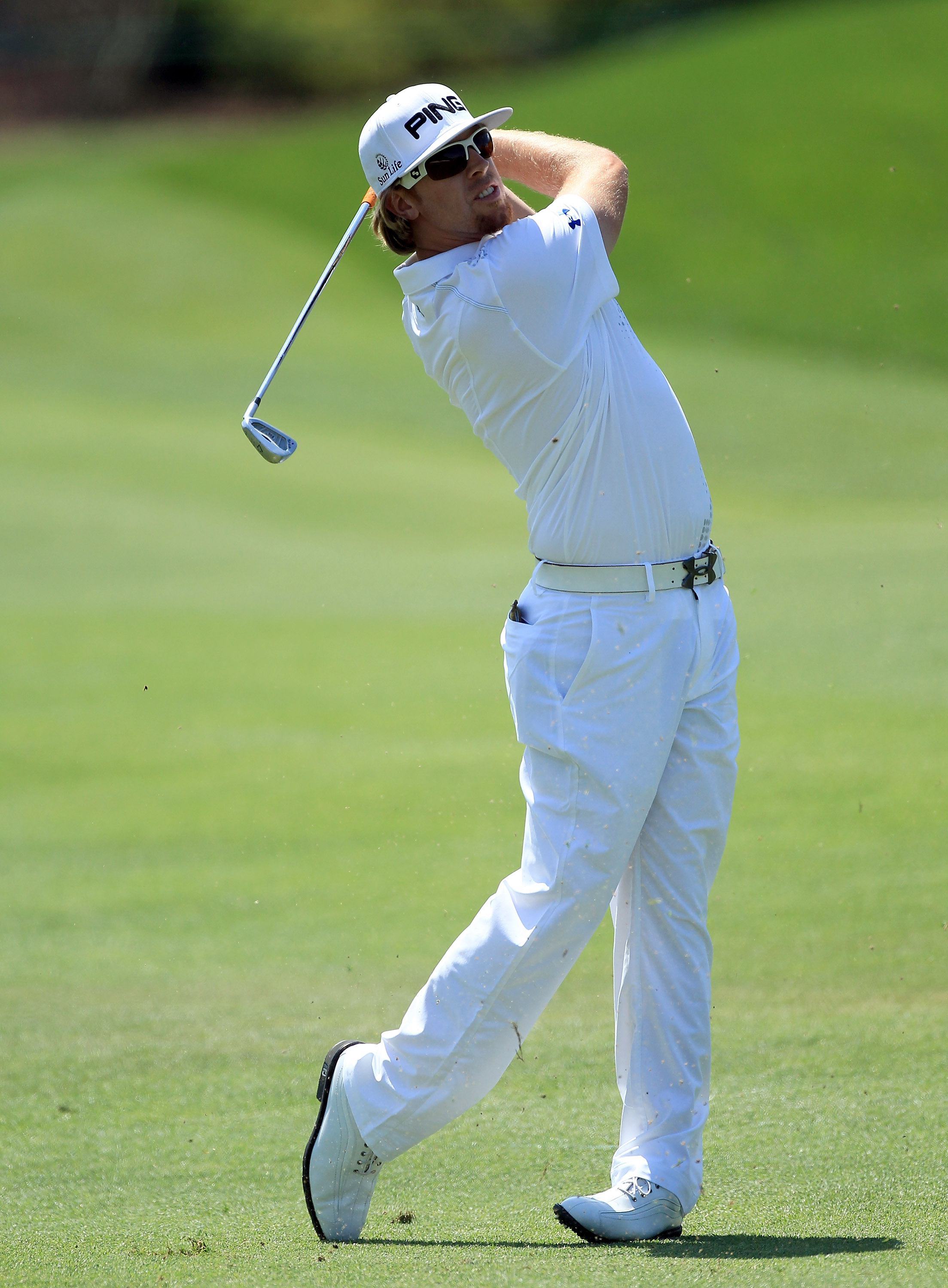 ORLANDO, FL - MARCH 26:  Hunter Mahan of the USA plays his second shot at the 1st hole during the third round of the 2011 Arnold Palmer Invitational presented by Mastercard at the Bay Hill Lodge and Country Club on March 26, 2011 in Orlando, Florida.  (Ph