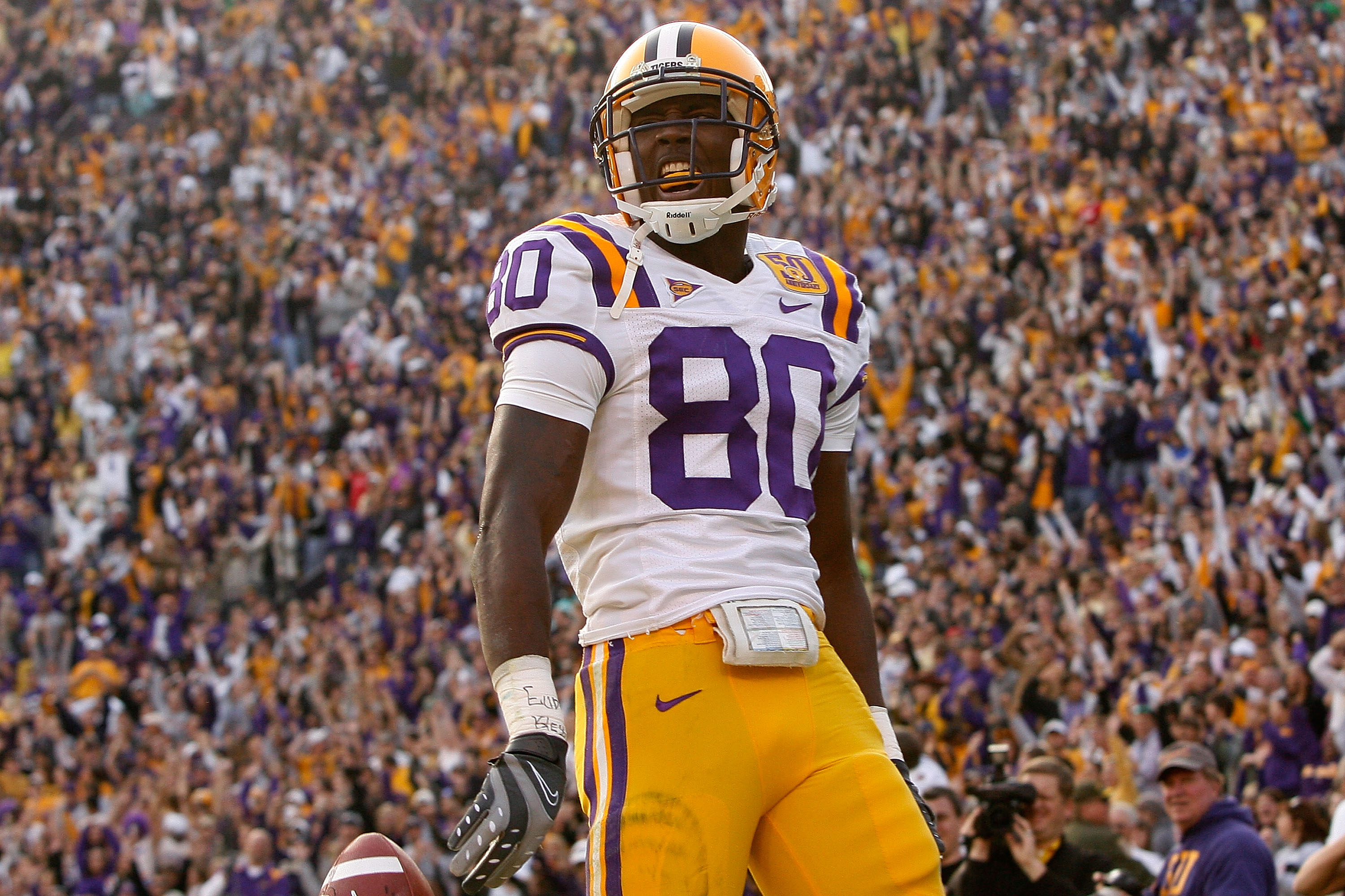 BATON ROUGE, LA - NOVEMBER 22:  Terrance Toliver #80 of the Louisiana State University Tigers celebrates after a touchdown against the Ole Miss Rebels on November 22, 2008 at Tiger Stadium in Baton Rouge, Louisiana.  (Photo by Chris Graythen/Getty Images)