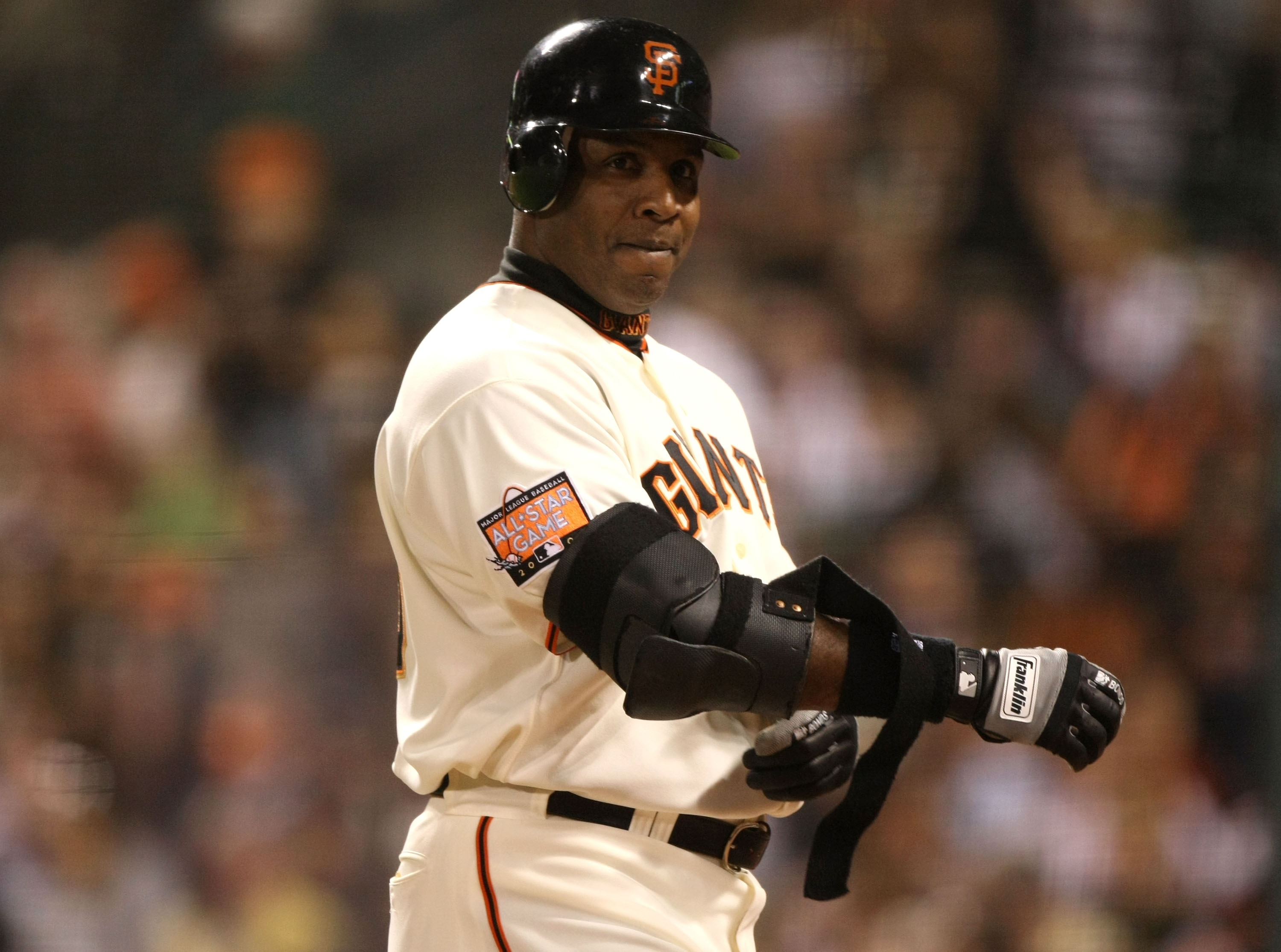 SAN FRANCISCO - SEPTEMBER 26:  Barry Bonds #25 of the San Francisco Giants looks on during his game against the San Diego Padres during a Major League Baseball game on September 26, 2007 at AT&T Park in San Francisco, California.  (Photo by Jed Jacobsohn/