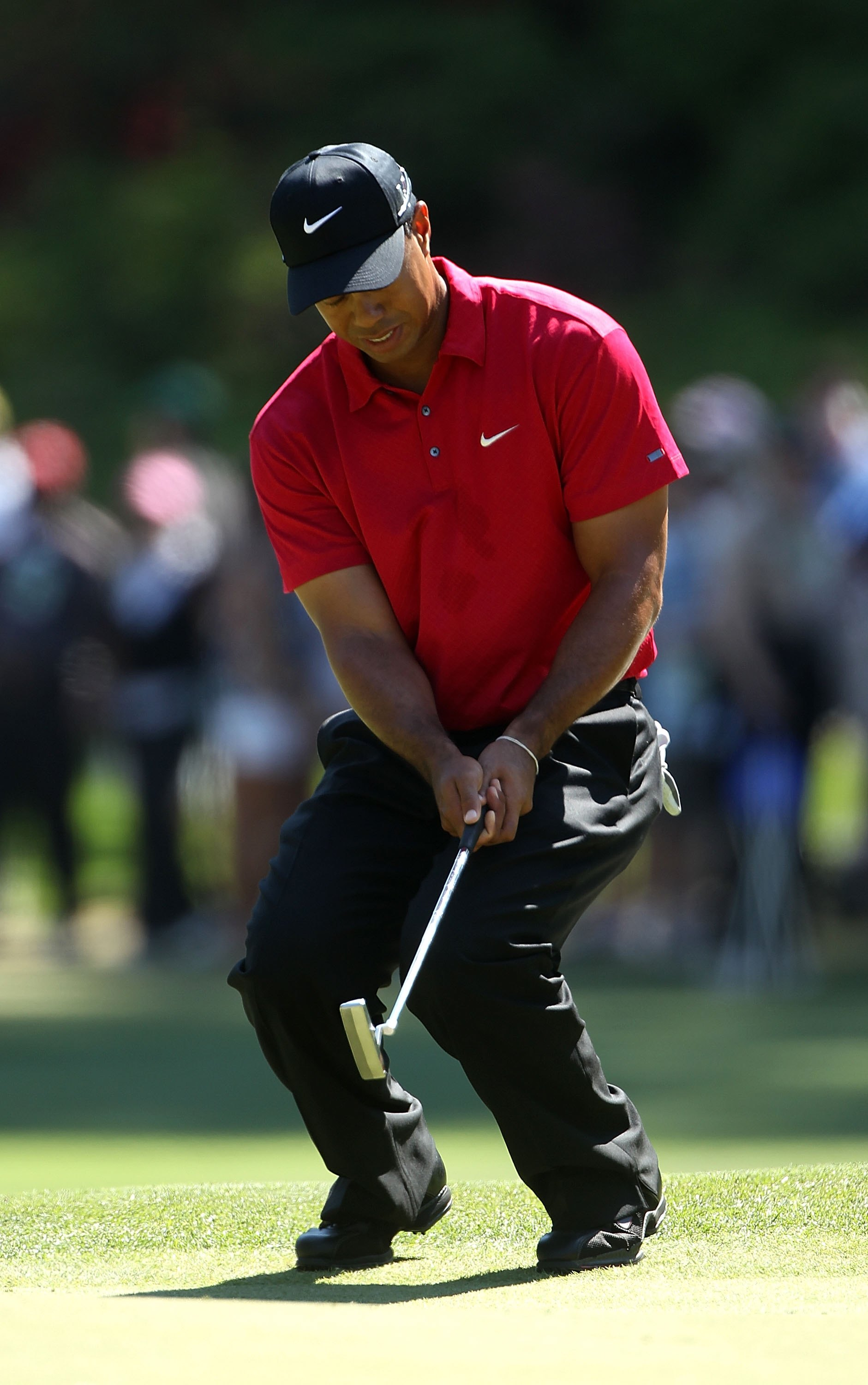 AUGUSTA, GA - APRIL 11:  Tiger Woods during the final round of the 2010 Masters Tournament at Augusta National Golf Club on April 11, 2010 in Augusta, Georgia.  (Photo by Streeter Lecka/Getty Images for Golf Week)