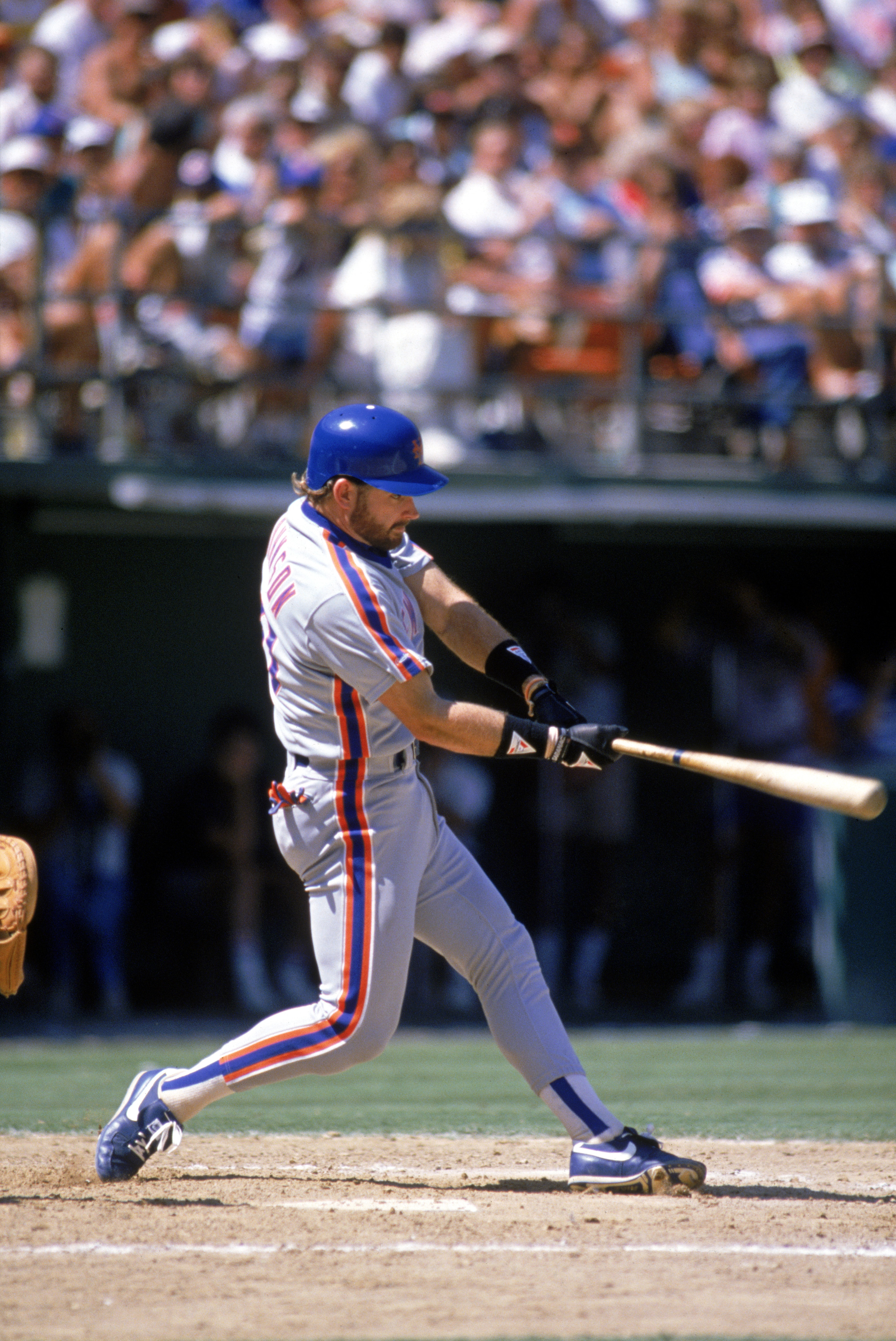 1989:  Howard Johnson of the New York Mets swings at the pitch during a game in the 1989 season. ( Photo by: Stephen Dunn/Getty Images)