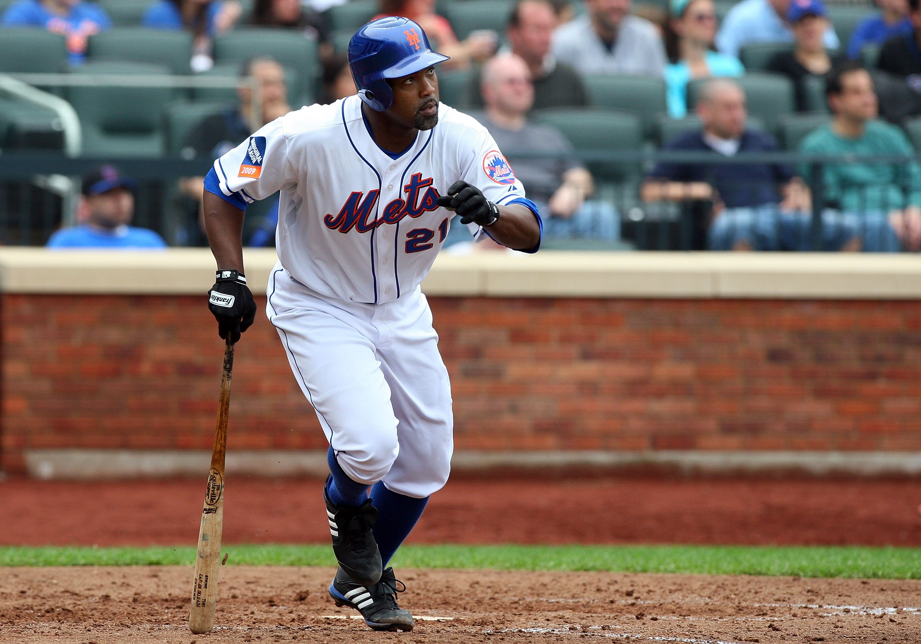 NEW YORK - MAY 09:  Carlos Delgado #21 of the New York Mets bats against the Pittsburgh Pirates on May 9, 2009 at Citi Field in the Flushing neighborhood of the Queens borough of New York City. The Mets defeated the Pirates 10-1.  (Photo by Jim McIsaac/Ge