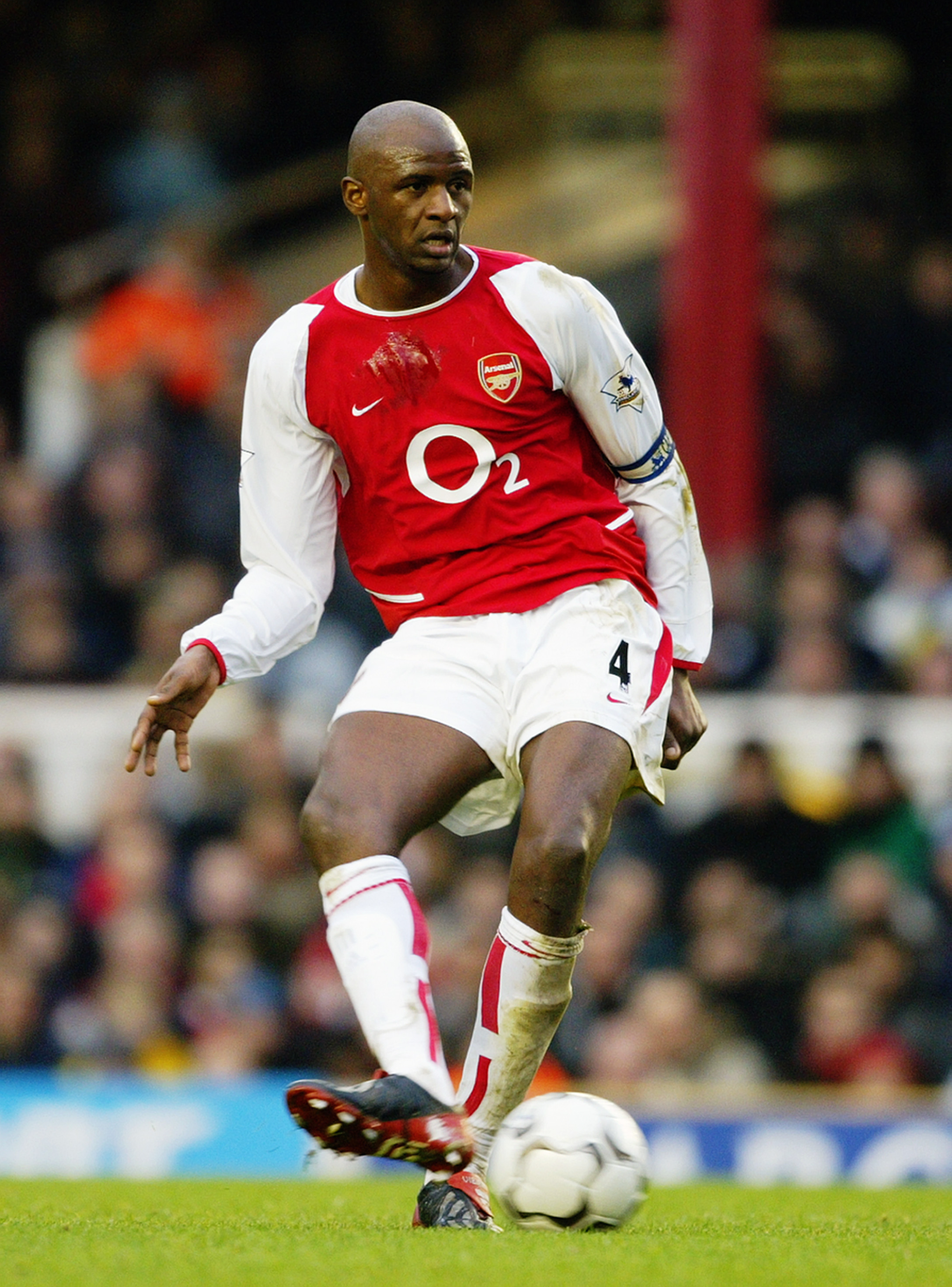 2580b6da0c8 LONDON - DECEMBER 26  Patrick Vieira of Arsenal passes the ball during the  FA Barclaycard