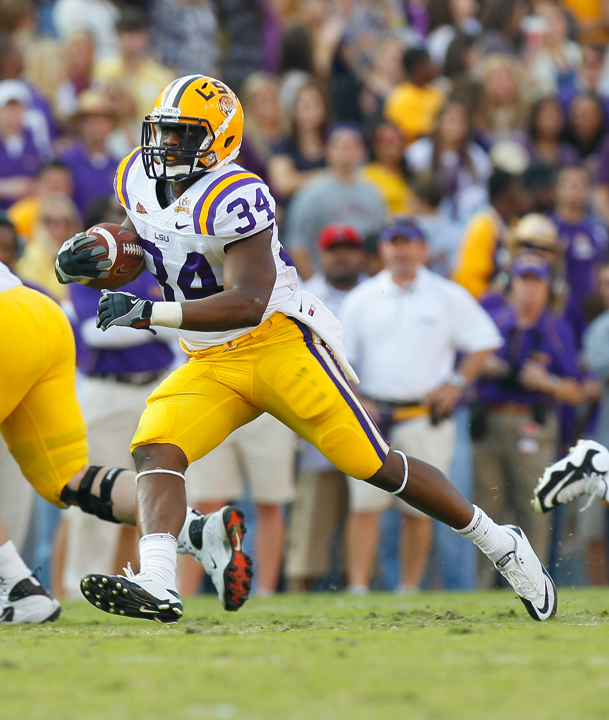BATON ROUGE, LA - NOVEMBER 20:  Stevan Ridley #34 of the Louisiana State University Tigers against the Ole Miss Rebels at Tiger Stadium on November 20, 2010 in Baton Rouge, Louisiana.  (Photo by Kevin C. Cox/Getty Images)