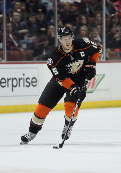 ANAHEIM, CA - FEBRUARY 16:  Ryan Getzlaf #15 of the Anaheim Ducks skates against the Washington Capitals at Honda Center on February 16, 2011 in Anaheim, California.  (Photo by Jeff Gross/Getty Images)