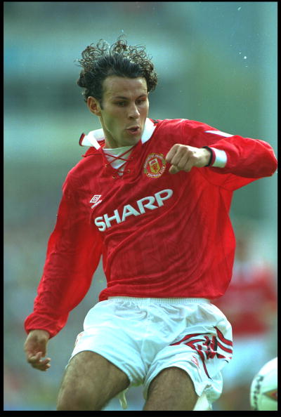 15 AUG 1993:  RYAN GIGGS OF MANCHESTER UNITED IN ACTION DURING THE PREMIER LEAGUE MATCH AGAINST NORWICH AT CARROW ROAD. MANCHESTER WON THE MATCH 2-0.