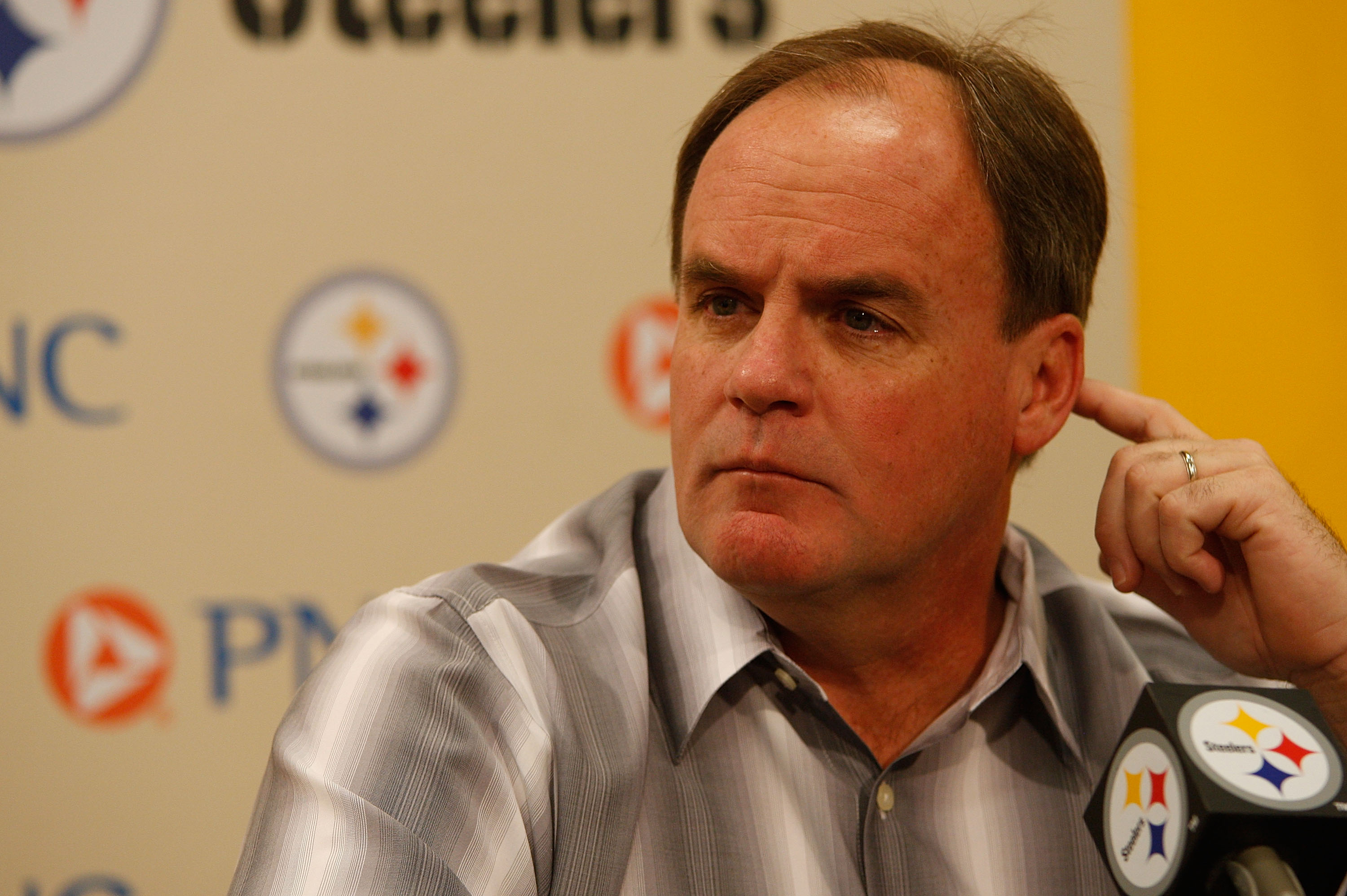 PITTSBURGH - APRIL 19:  Director of Football Operations Kevin Colbert of the Pittsburgh Steelers speaks during a press conference following practice on April 19, 2010 at the Pittsburgh Steelers South Side training facility in Pittsburgh, Pennsylvania.  (P