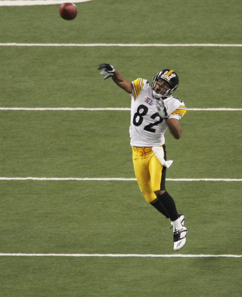 DETROIT - FEBRUARY 05:  Wide receiver Antwaan Randle El #82 throws a touchdown to wide receiver Hines Ward #86 of the Pittsburgh Steelers in the fourth quarter against the Seattle Seahawks in Super Bowl XL at Ford Field on February 5, 2006 in Detroit, Mic