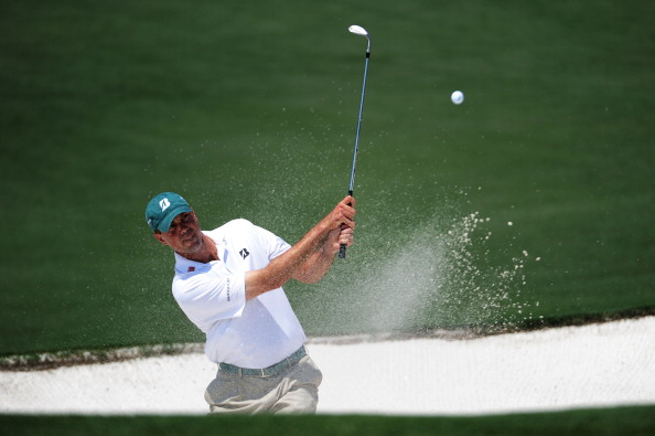 AUGUSTA, GA - APRIL 10:  Matt Kuchar hits from a bunker on the second hole  during the final round of the 2011 Masters Tournament at Augusta National Golf Club on April 10, 2011 in Augusta, Georgia.  (Photo by Harry How/Getty Images)