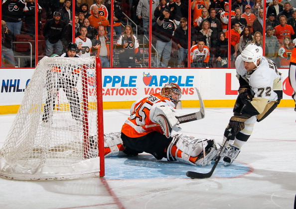 PHILADELPHIA - MARCH 24:  Alex Kovalev #72 of the Pittsburgh Penguins scoring in the shootout against Sergei Bobrovsky #35 of he Philadelphia Flyers on March 24, 2011 at the Wells Fargo Center in Philadelphia, Pennsylvania.  (Photo by Lou Capozzola/Getty