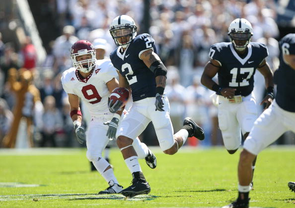 STATE COLLEGE, PA - SEPTEMBER 19: Wide receiver Chaz Powell #2 of the Penn State Nittany Lions runs with the ball after catching a pass during a game against the Temple Owls on September 19, 2009 at Beaver Stadium in State College, Pennsylvania. (Photo by