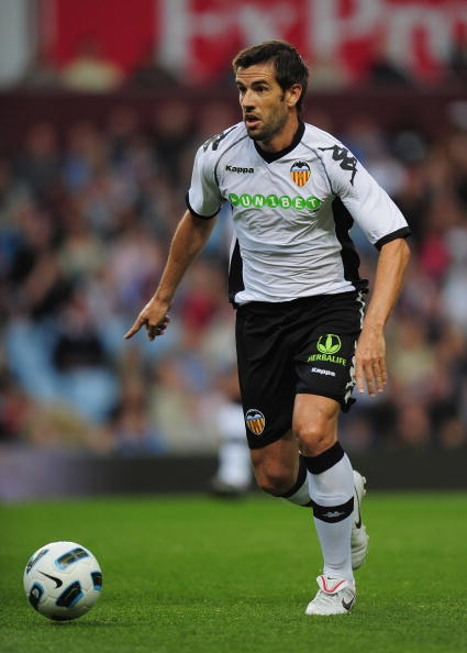 BIRMINGHAM, ENGLAND - AUGUST 06:  David Albelda Aliques of Valencia in action during the friendly match between Aston Villa and Valencia at Villa Park on August 6, 2010 in Birmingham, England.  (Photo by Shaun Botterill/Getty Images)