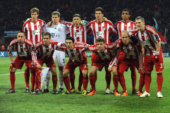 MILAN, ITALY - FEBRUARY 23:  Team of FC Bayern Muenchen line up prior to the UEFA Champions League round of 16 first leg match between Inter Milan v FC Bayern Muenchen on February 23, 2011 in Milan, Italy.  (Photo by Valerio Pennicino/Getty Images)
