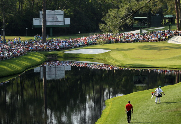 AUGUSTA, GA - APRIL 10:  Tiger Woods walks with his caddie Steve Williams to the 16th green during the final round of the 2011 Masters Tournament at Augusta National Golf Club on April 10, 2011 in Augusta, Georgia.  (Photo by Jamie Squire/Getty Images)