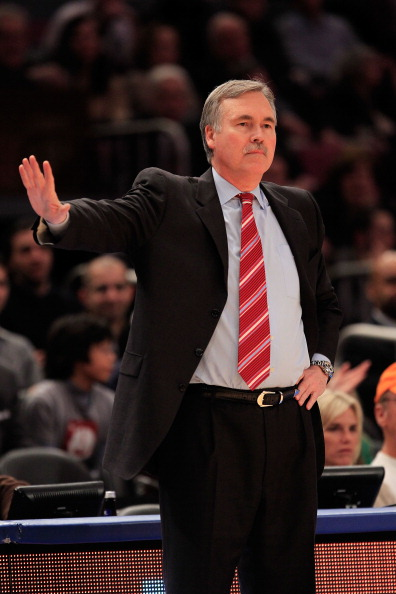 NEW YORK, NY - FEBRUARY 09:  Head coach Mike D'Antoni of the New York Knicks gestures from the sideline during the game against the Los Angeles Clippers at Madison Square Garden on February 9, 2011 in New York City. NOTE TO USER: User expressly acknowledg