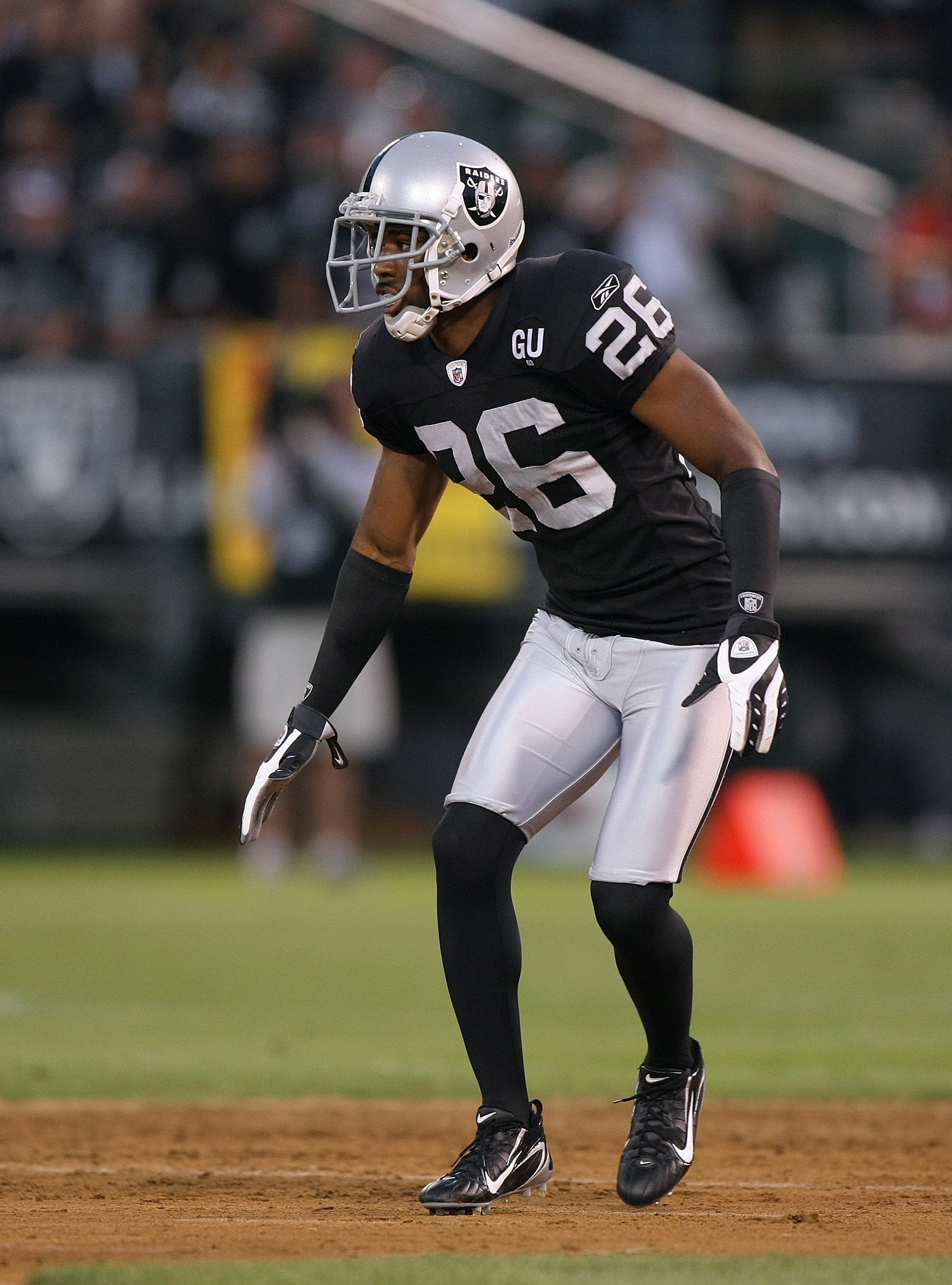 OAKLAND, CA - SEPTEMBER 8:  Stanford Routt #26 of the Oakland Raiders lines up in position during the NFL game against the Denver Broncos on September 8, 2008 at McAfee Coliseum in Oakland, California. The Broncos defeated the Raiders 41-14. (Photo by Jed