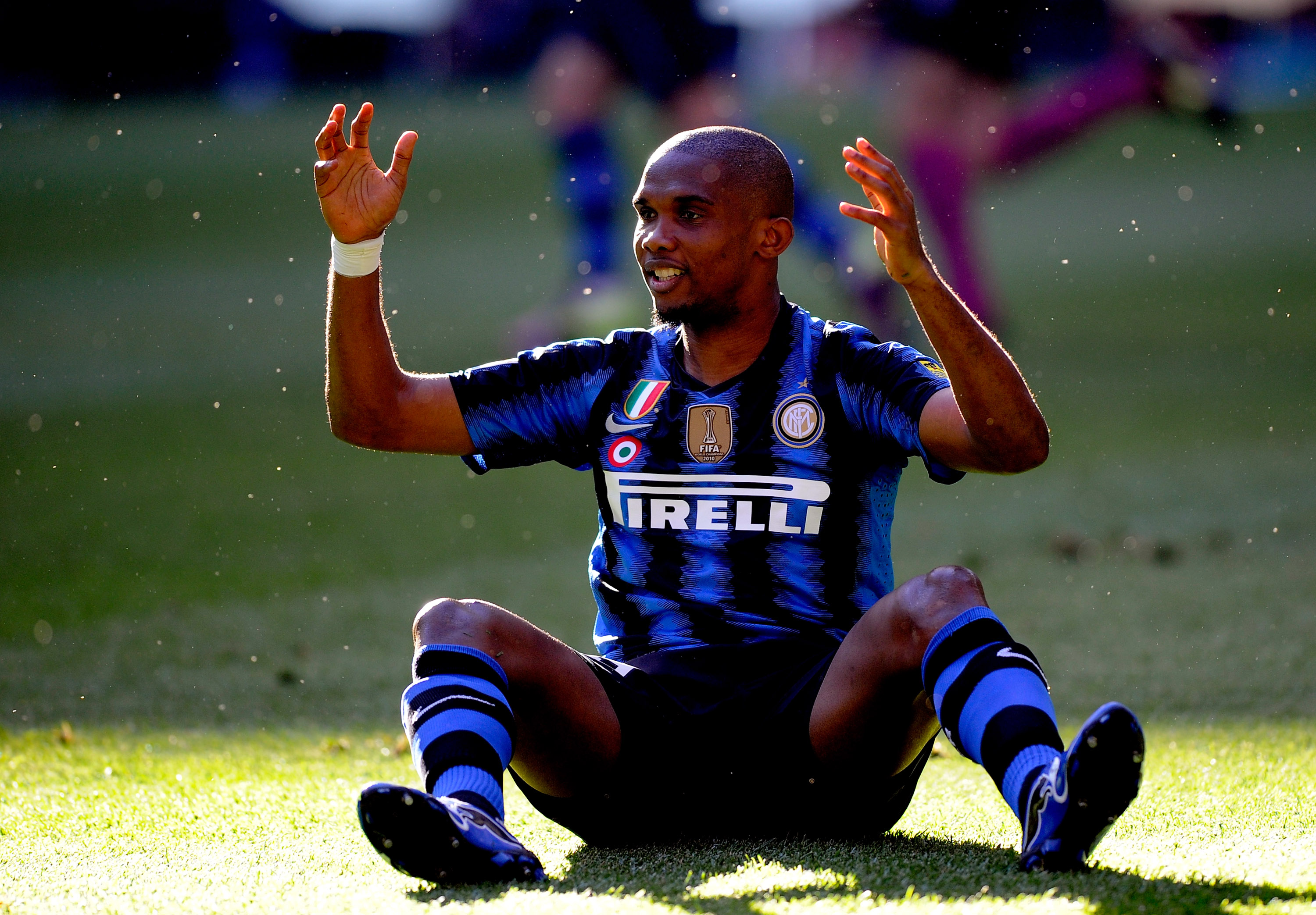 MILAN, ITALY - APRIL 09:  Samuel Eto'o of Inter Milan gestures during the Serie A match between FC Internazionale Milano and AC Chievo Verona at Stadio Giuseppe Meazza on April 9, 2011 in Milan, Italy.  (Photo by Claudio Villa/Getty Images)