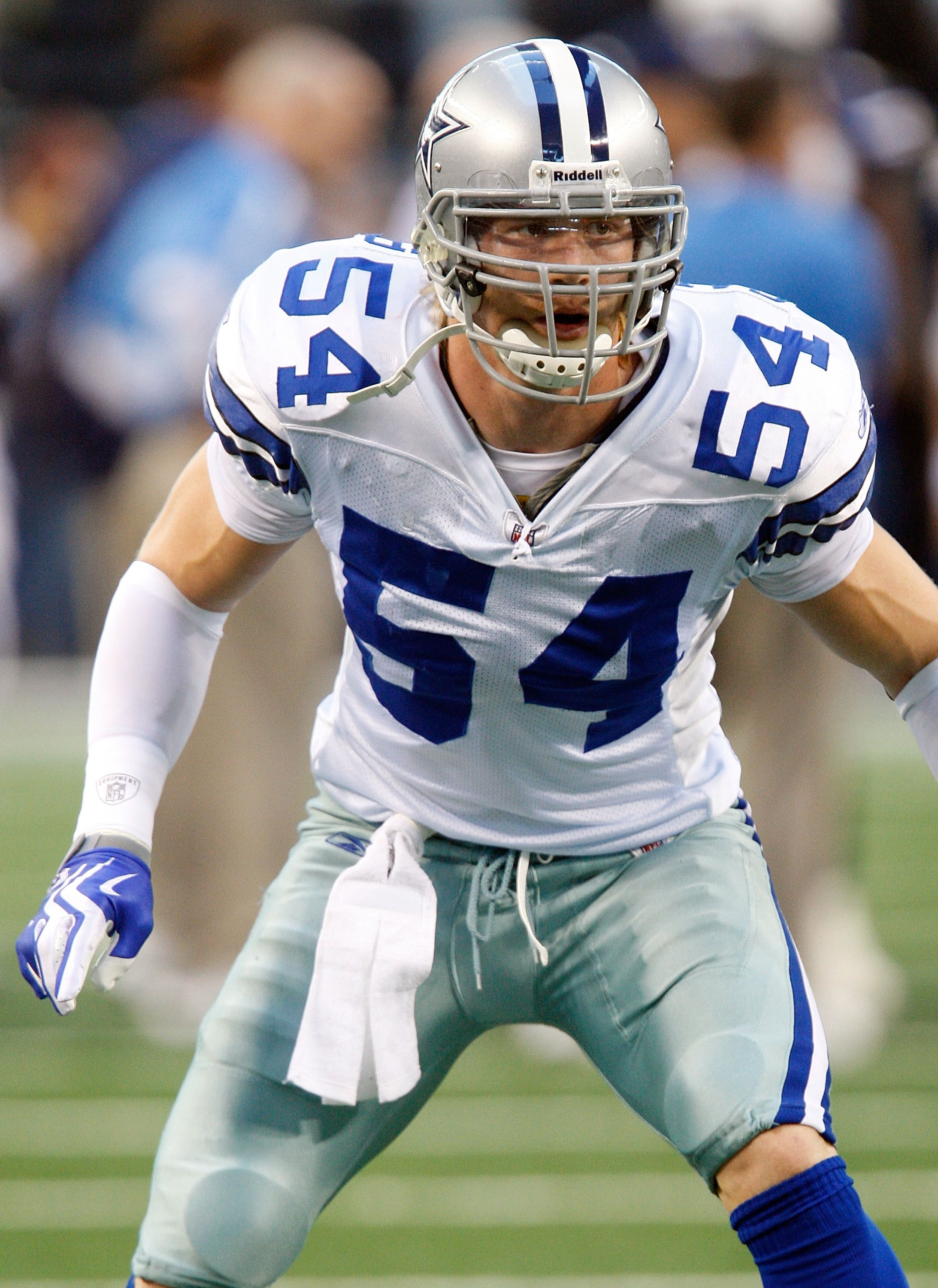 ARLINGTON, TX - DECEMBER 13:  Linebacker Bobby Carpenter #54 of the Dallas Cowboys at Cowboys Stadium on December 13, 2009 in Arlington, Texas.  (Photo by Ronald Martinez/Getty Images)